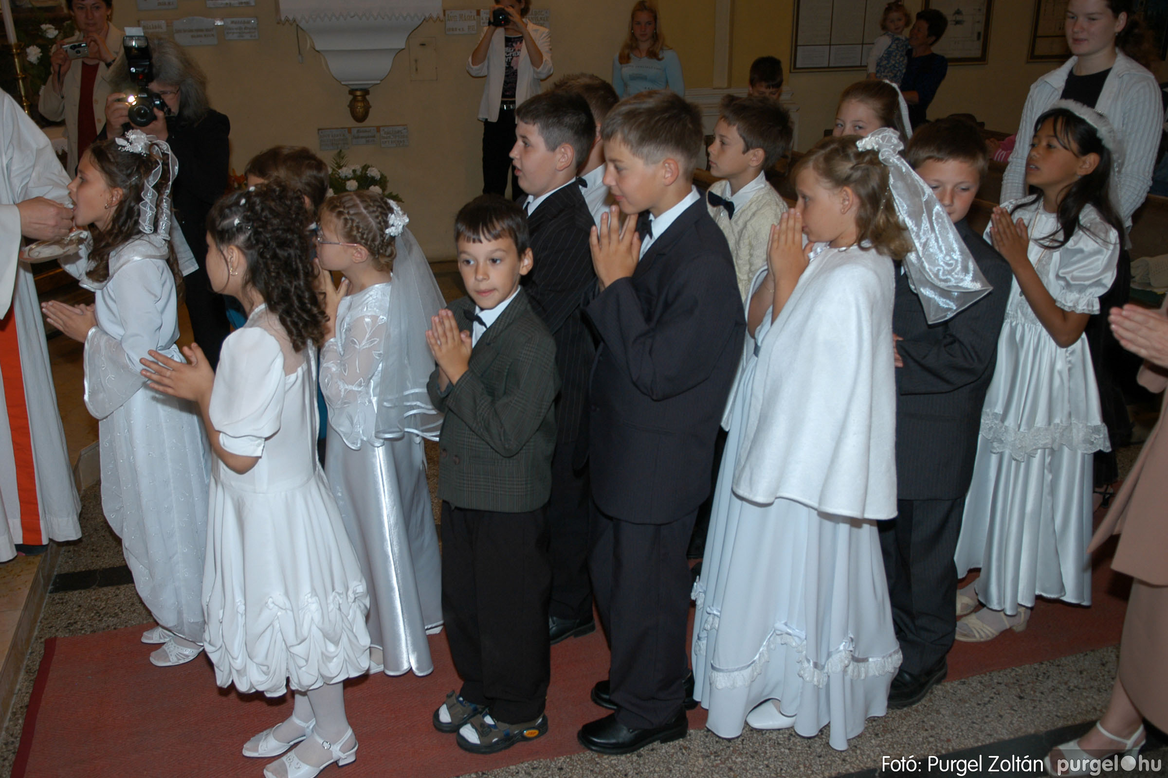 2006.05.21. 038 Kisboldogasszony templom elsőáldozás - Fotó:PURGEL ZOLTÁN© DSC_0276q.jpg