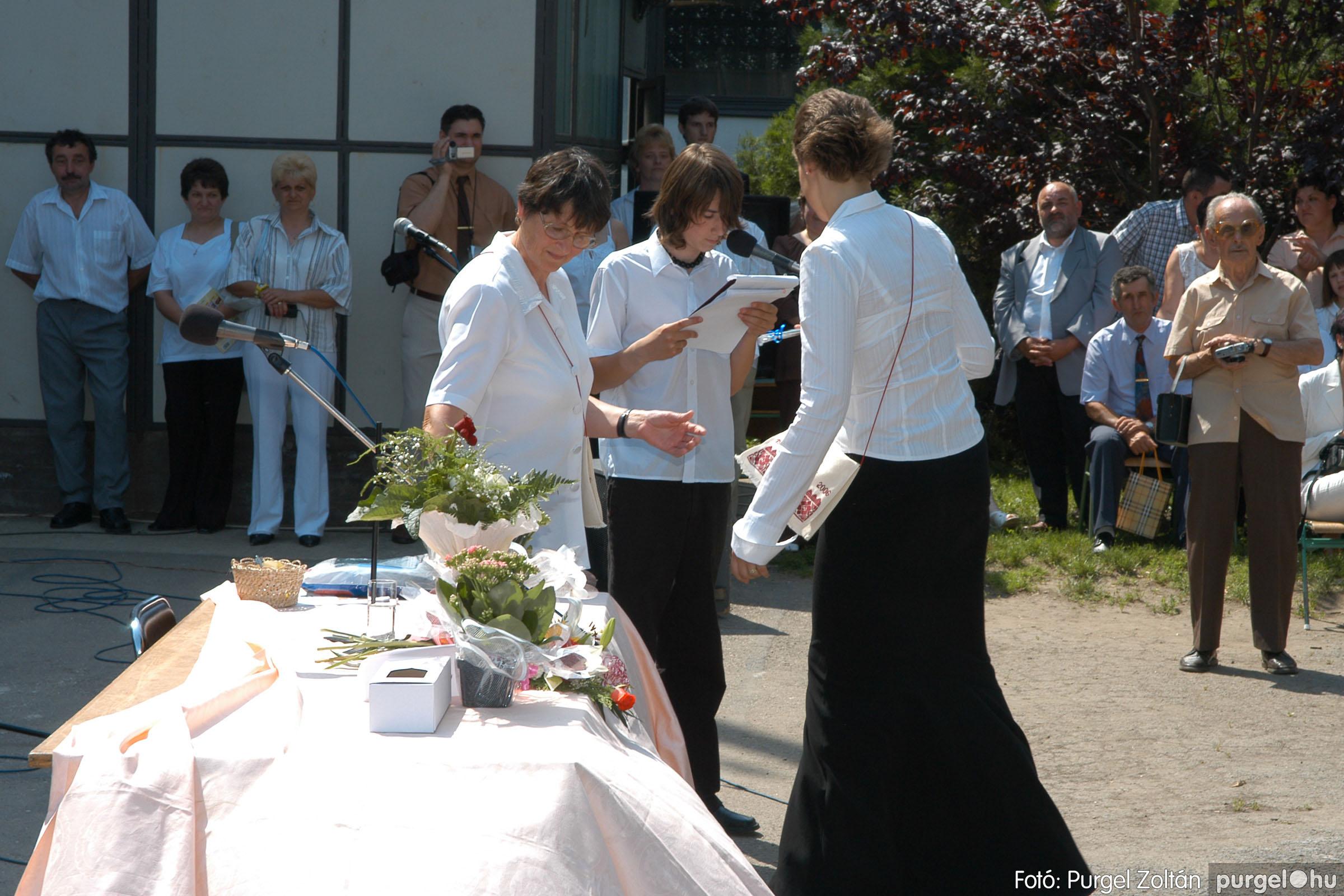 2006.06.17. 123 Forray Máté Általános Iskola ballagás 2006. - Fotó:PURGEL ZOLTÁN© DSC_0162q.jpg