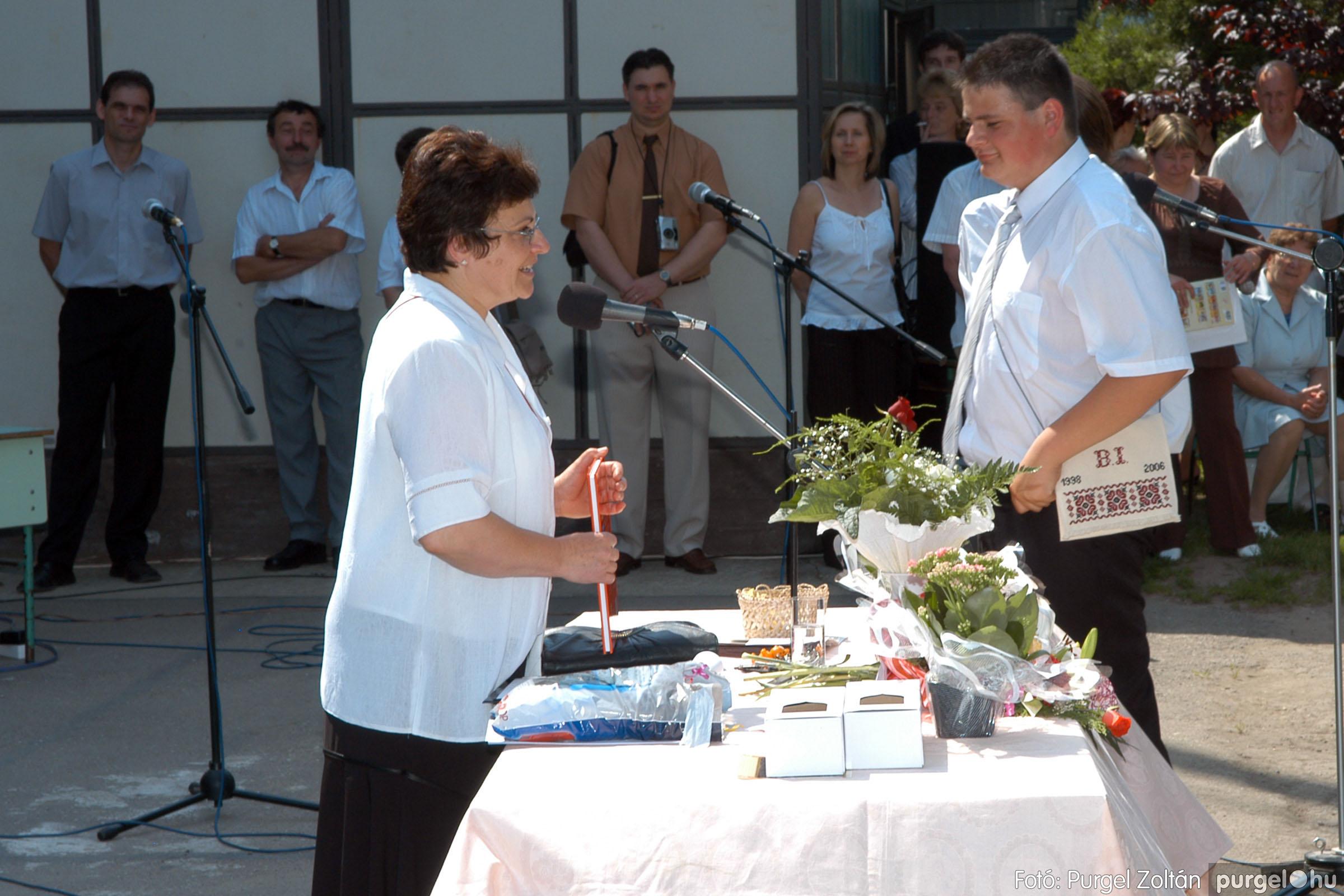 2006.06.17. 122 Forray Máté Általános Iskola ballagás 2006. - Fotó:PURGEL ZOLTÁN© DSC_0159q.jpg