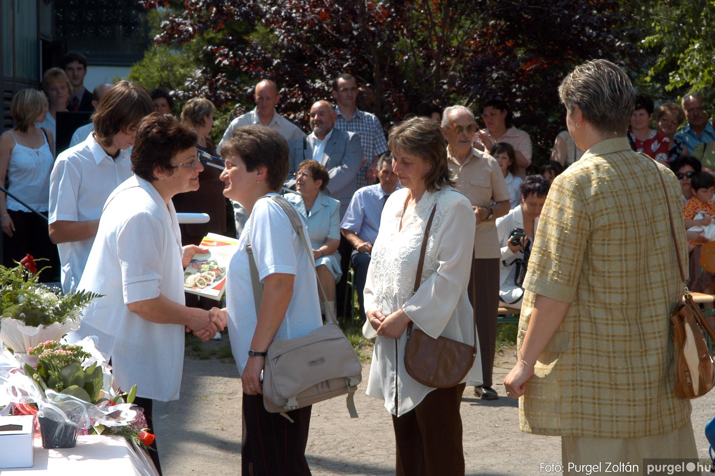 2006.06.17. 115 Forray Máté Általános Iskola ballagás 2006. - Fotó:PURGEL ZOLTÁN© DSC_0151q.jpg