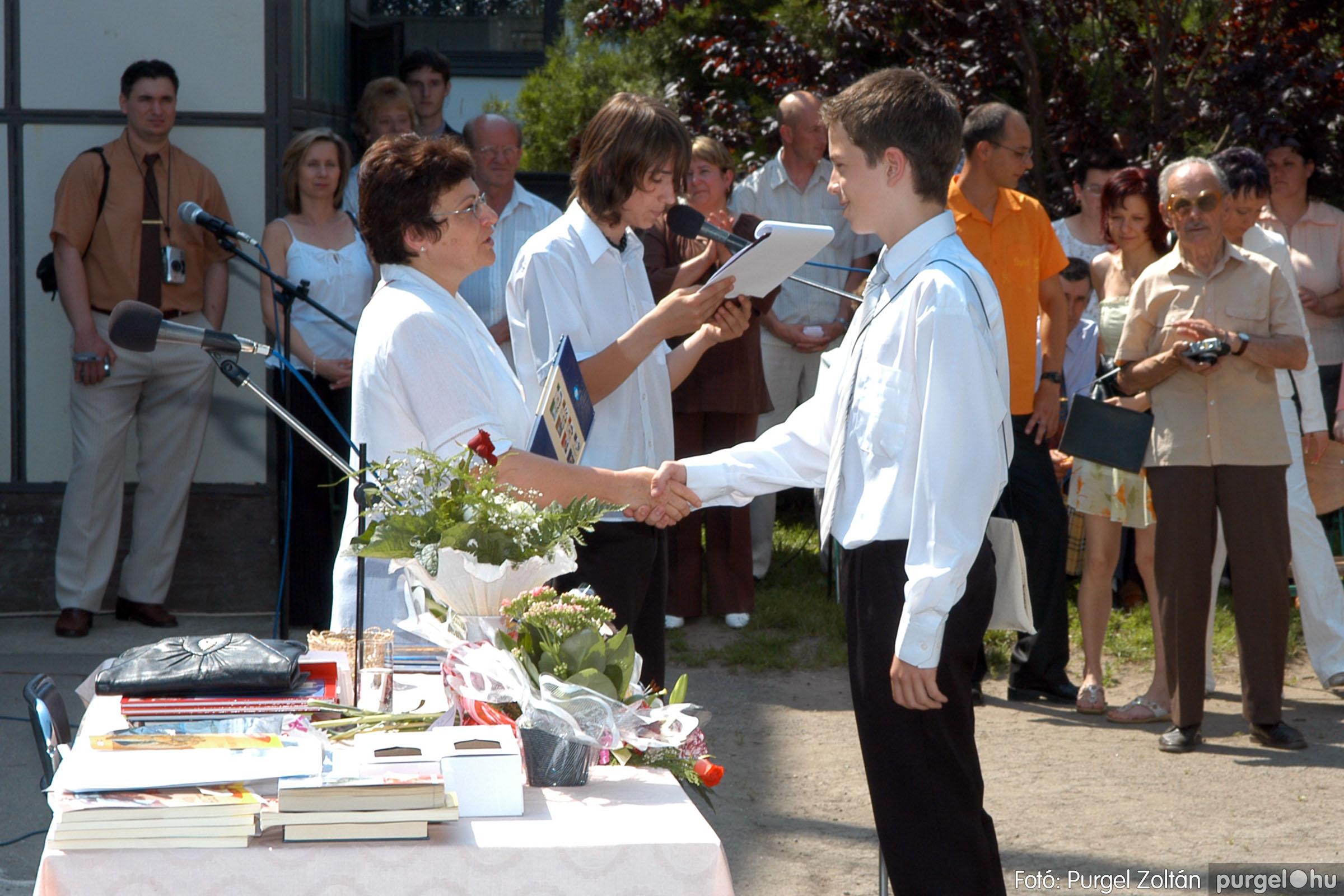 2006.06.17. 113 Forray Máté Általános Iskola ballagás 2006. - Fotó:PURGEL ZOLTÁN© DSC_0149q.jpg