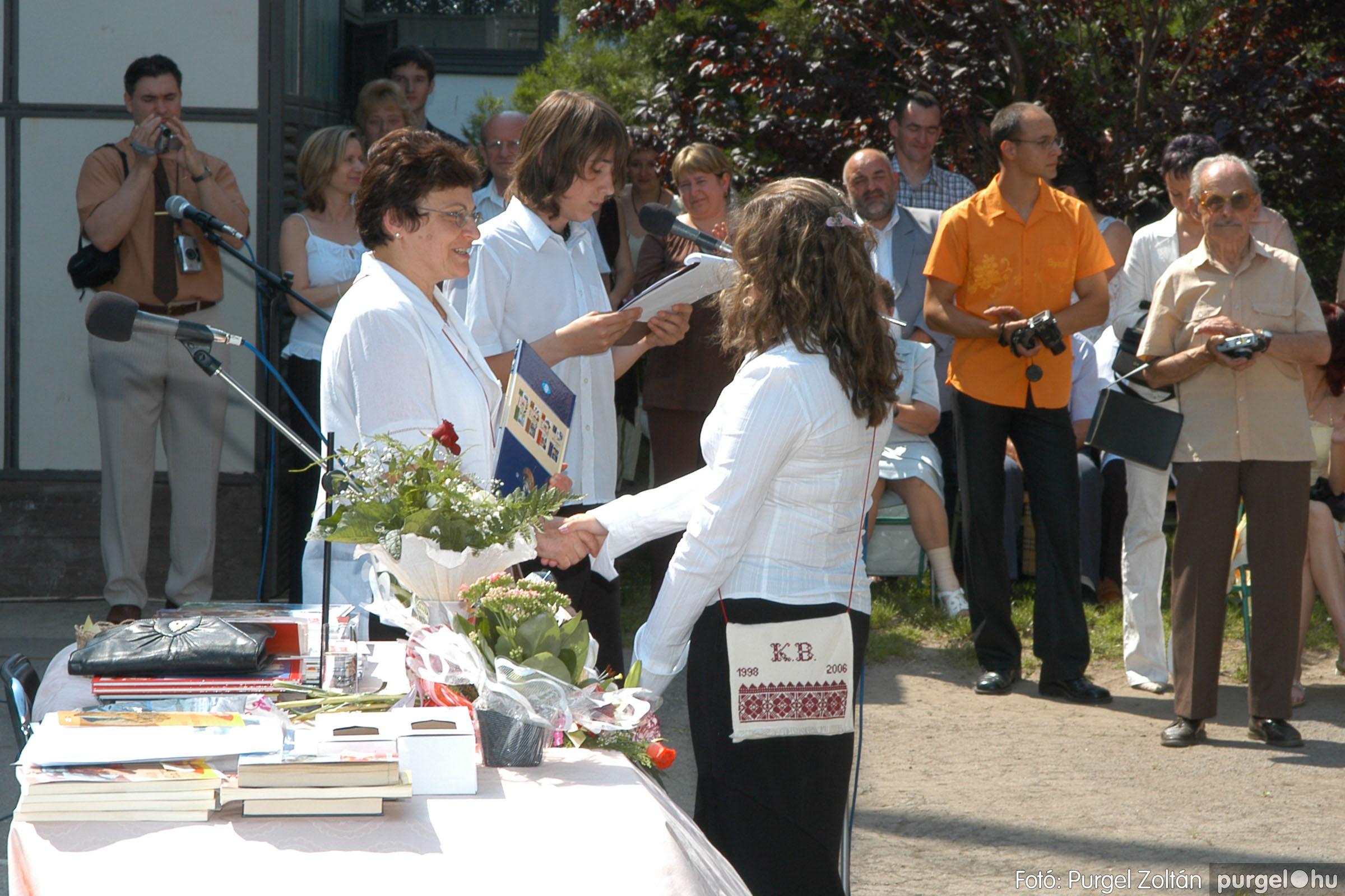 2006.06.17. 106 Forray Máté Általános Iskola ballagás 2006. - Fotó:PURGEL ZOLTÁN© DSC_0137q.jpg