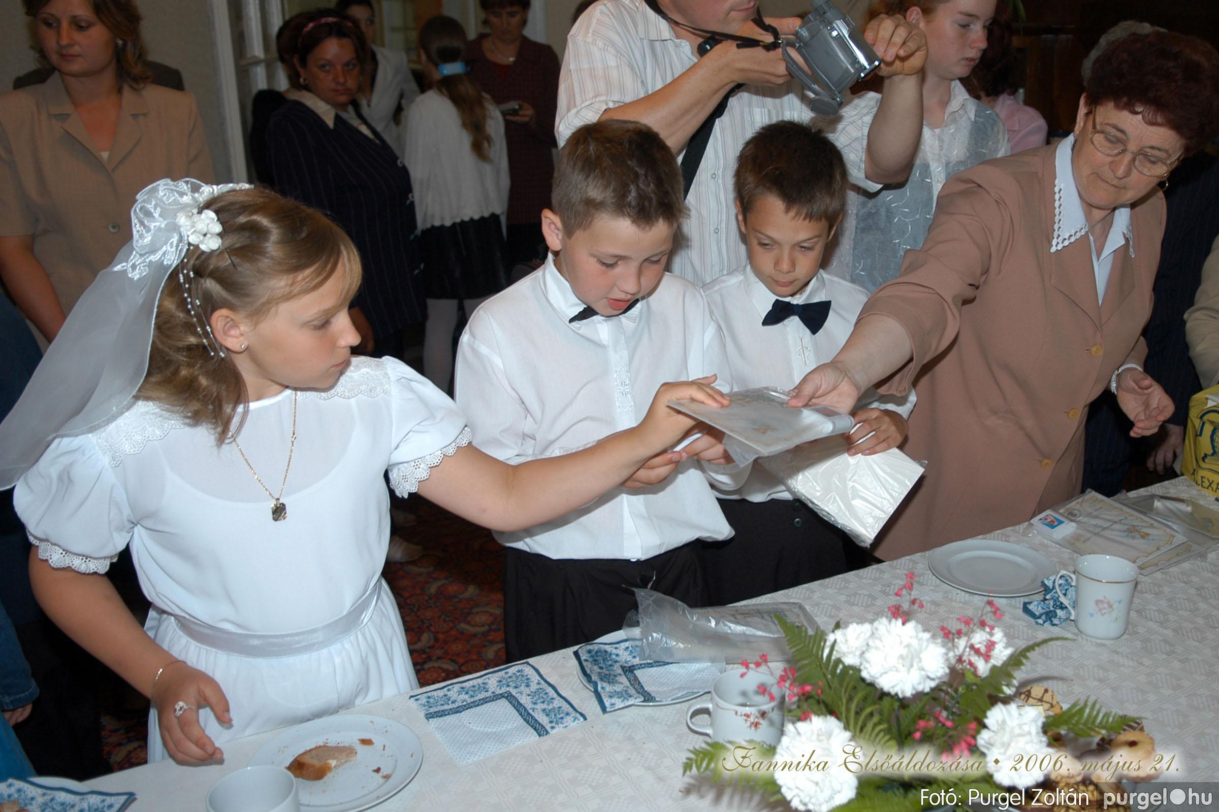 2006.05.21. 090 Kisboldogasszony templom elsőáldozás - Fotó:PURGEL ZOLTÁN© DSC_0366q.jpg