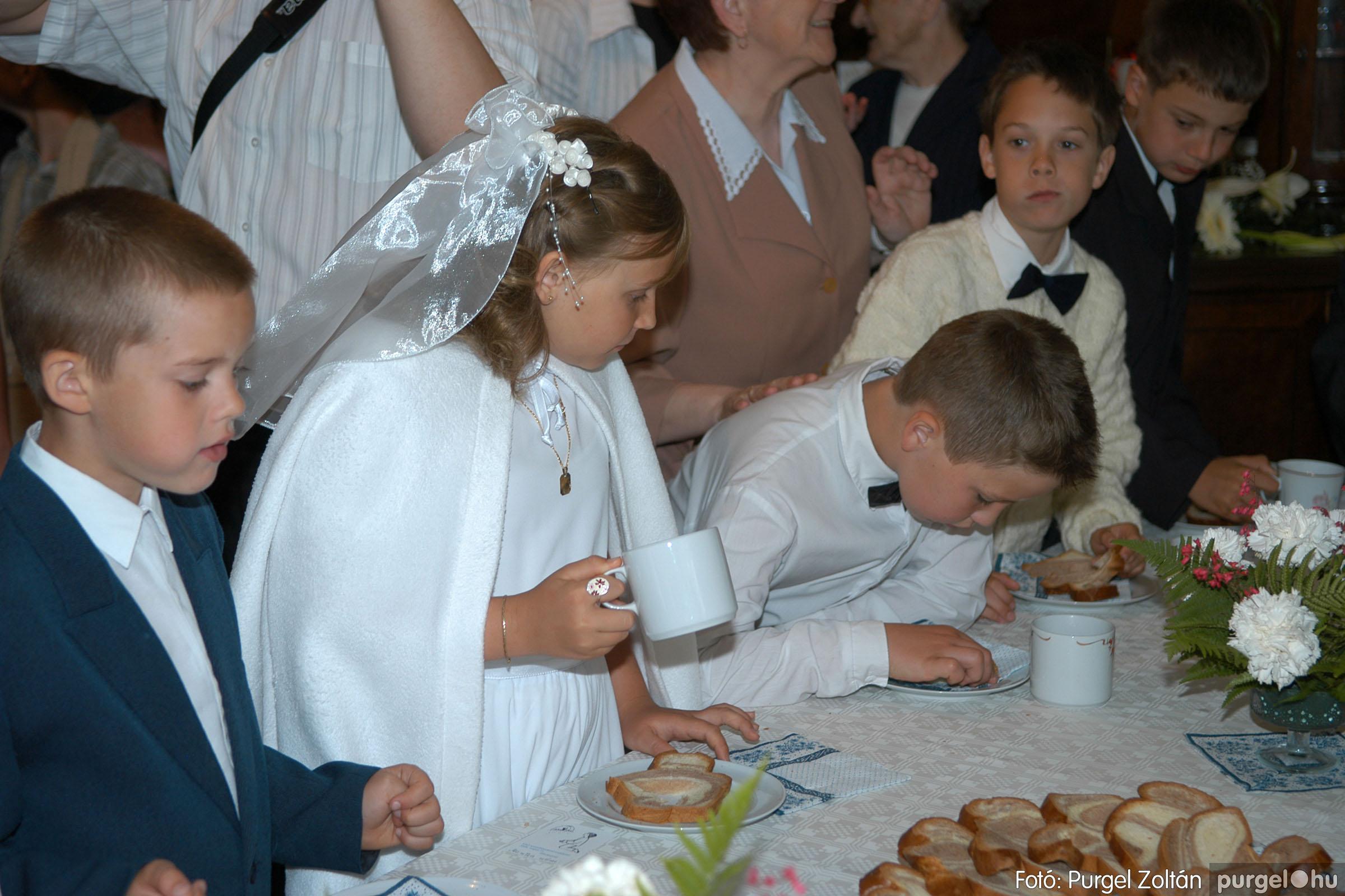 2006.05.21. 087 Kisboldogasszony templom elsőáldozás - Fotó:PURGEL ZOLTÁN© DSC_0362q.jpg