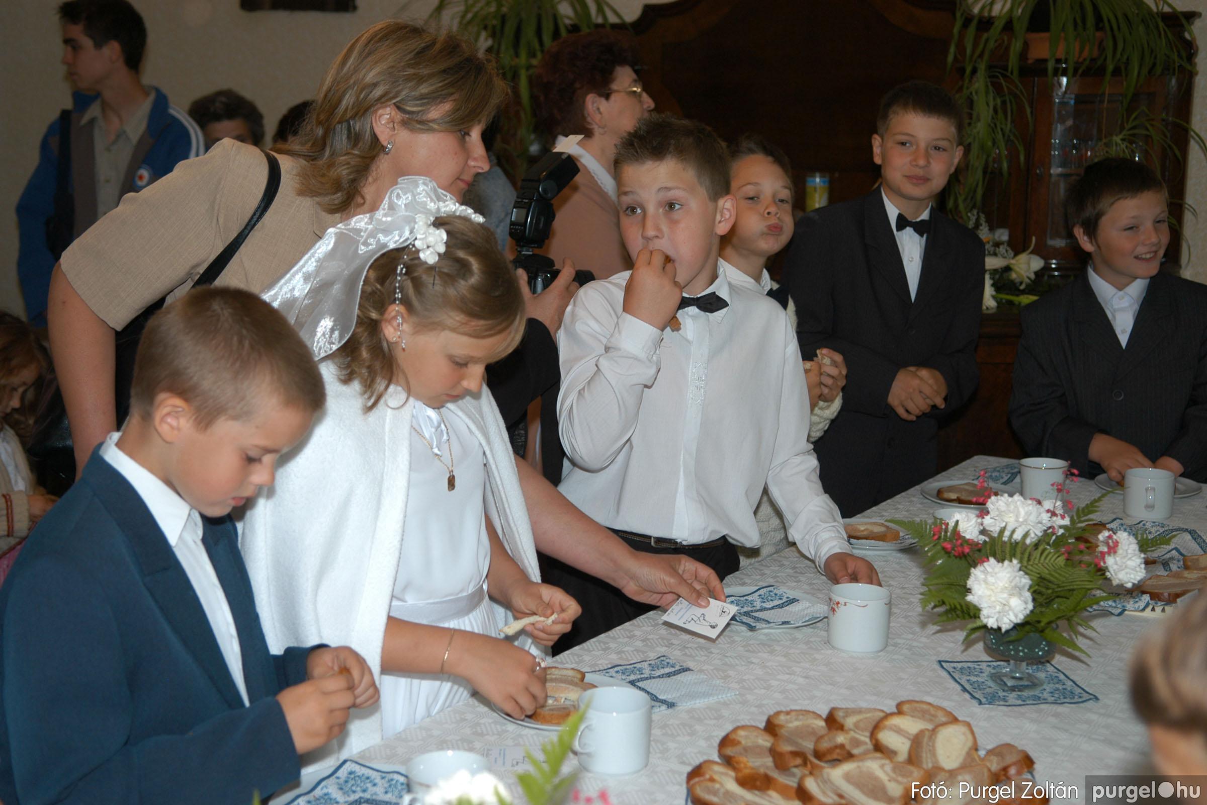 2006.05.21. 081 Kisboldogasszony templom elsőáldozás - Fotó:PURGEL ZOLTÁN© DSC_0353q.jpg