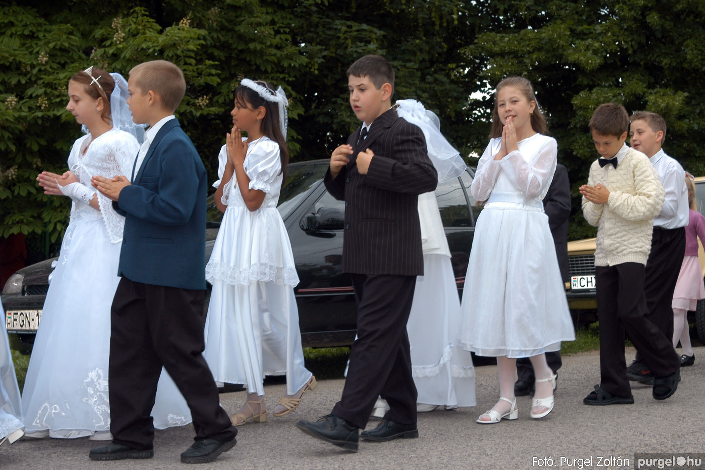 2006.05.21. 009 Kisboldogasszony templom elsőáldozás - Fotó:PURGEL ZOLTÁN© DSC_0231q.jpg