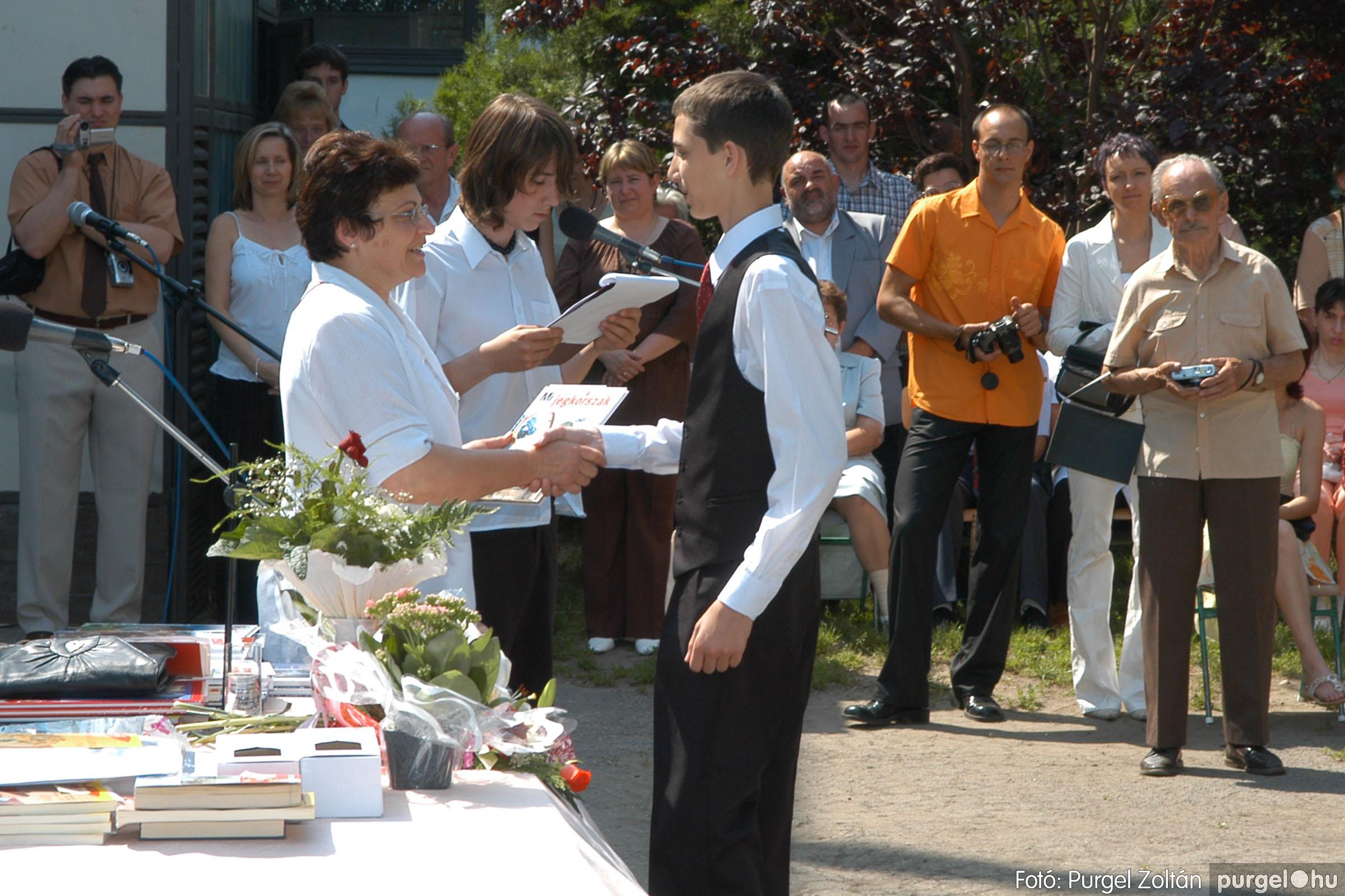 2006.06.17. 104 Forray Máté Általános Iskola ballagás 2006. - Fotó:PURGEL ZOLTÁN© DSC_0134q.jpg