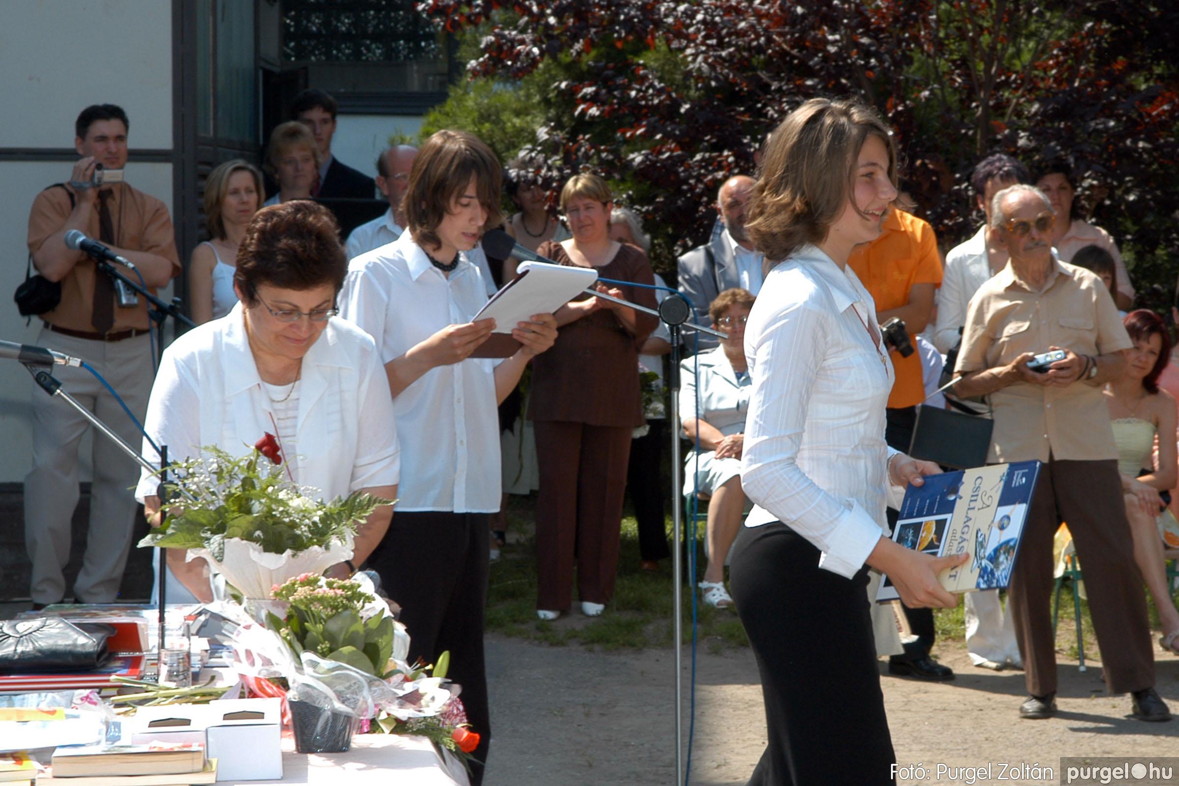 2006.06.17. 105 Forray Máté Általános Iskola ballagás 2006. - Fotó:PURGEL ZOLTÁN© DSC_0136q.jpg