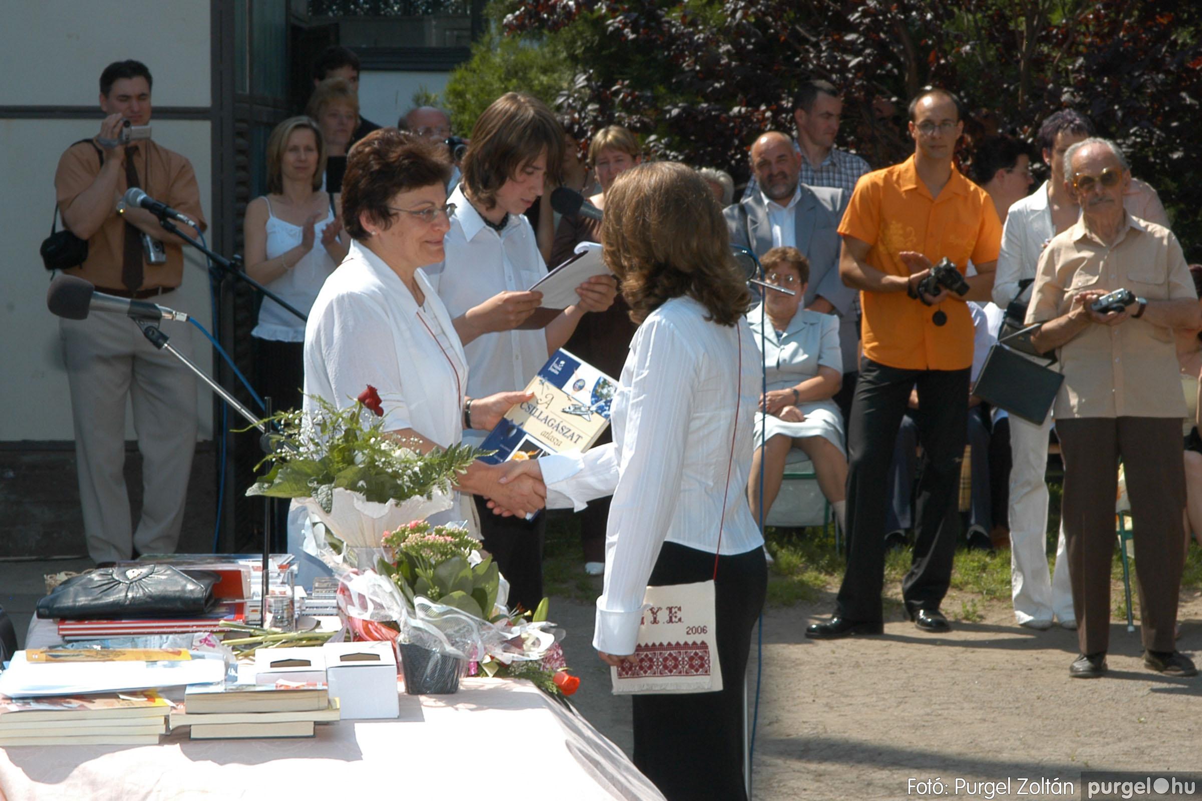 2006.06.17. 103 Forray Máté Általános Iskola ballagás 2006. - Fotó:PURGEL ZOLTÁN© DSC_0133q.jpg