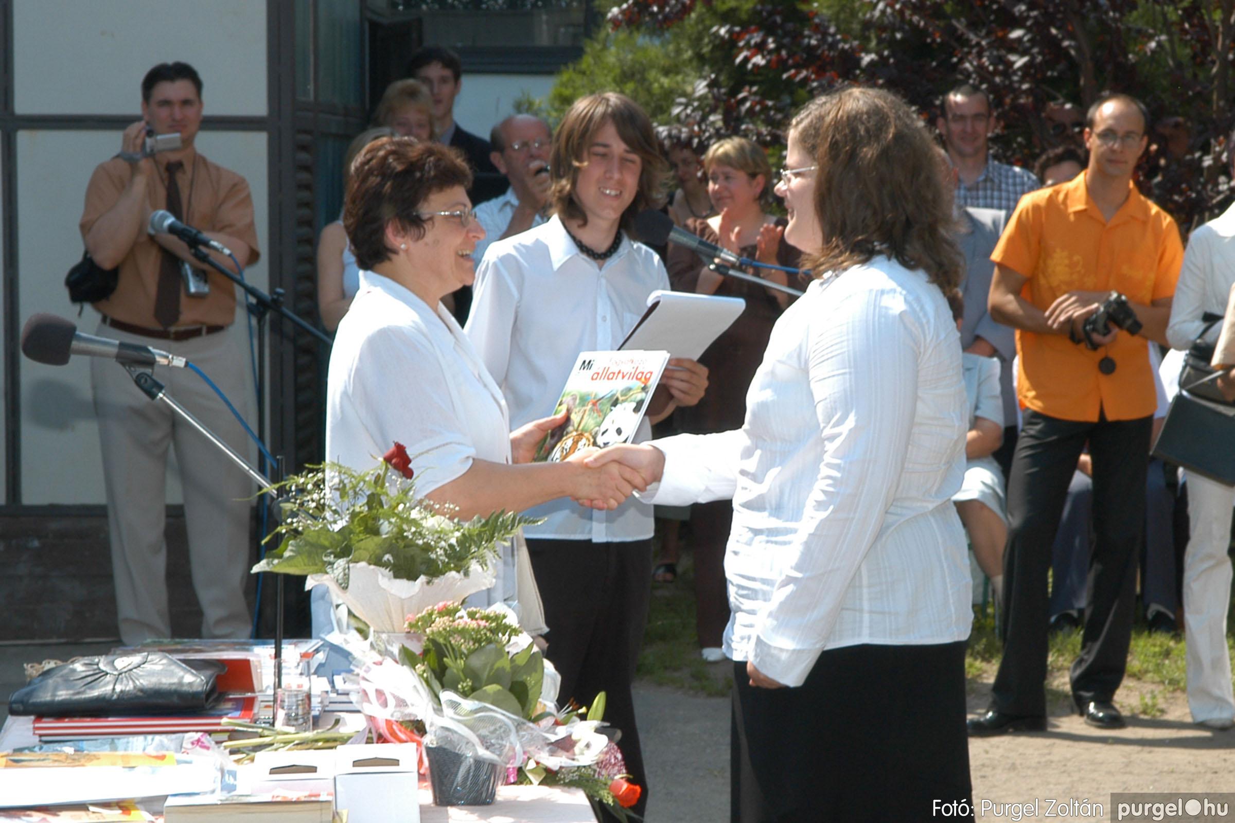 2006.06.17. 102 Forray Máté Általános Iskola ballagás 2006. - Fotó:PURGEL ZOLTÁN© DSC_0132q.jpg