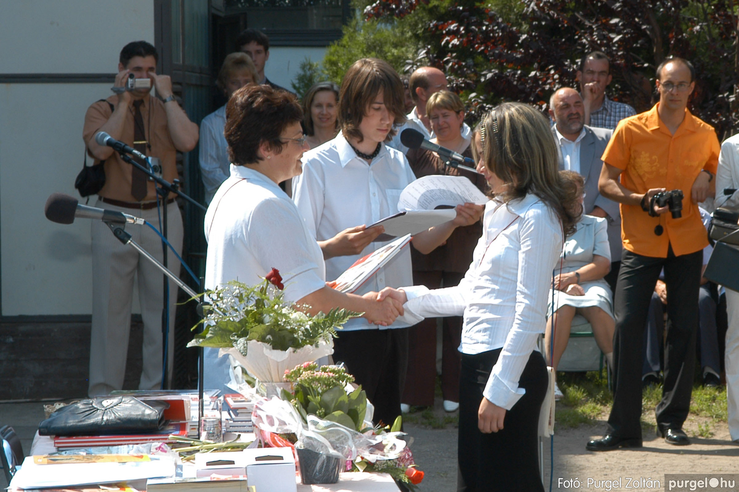 2006.06.17. 100 Forray Máté Általános Iskola ballagás 2006. - Fotó:PURGEL ZOLTÁN© DSC_0130q.jpg