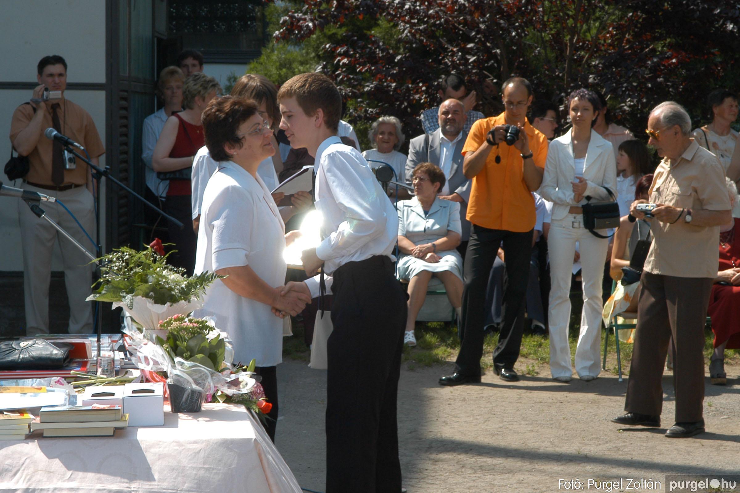 2006.06.17. 098 Forray Máté Általános Iskola ballagás 2006. - Fotó:PURGEL ZOLTÁN© DSC_0127q.jpg