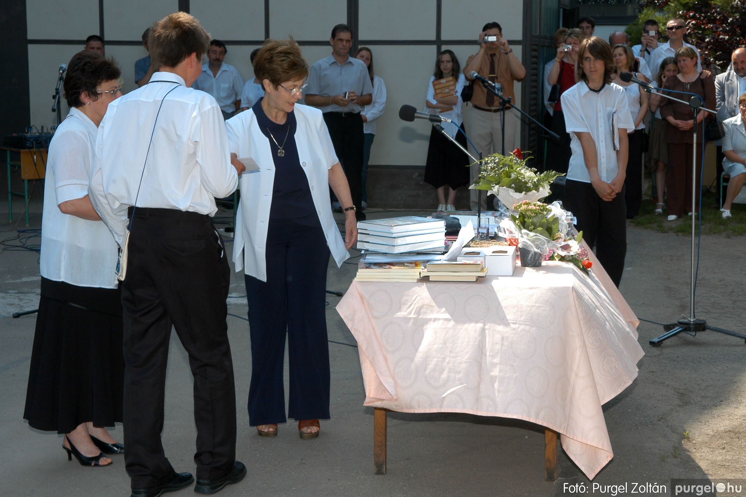 2006.06.17. 089 Forray Máté Általános Iskola ballagás 2006. - Fotó:PURGEL ZOLTÁN© DSC_0113q.jpg