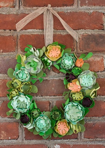 diy faux succulent wreath made from paper