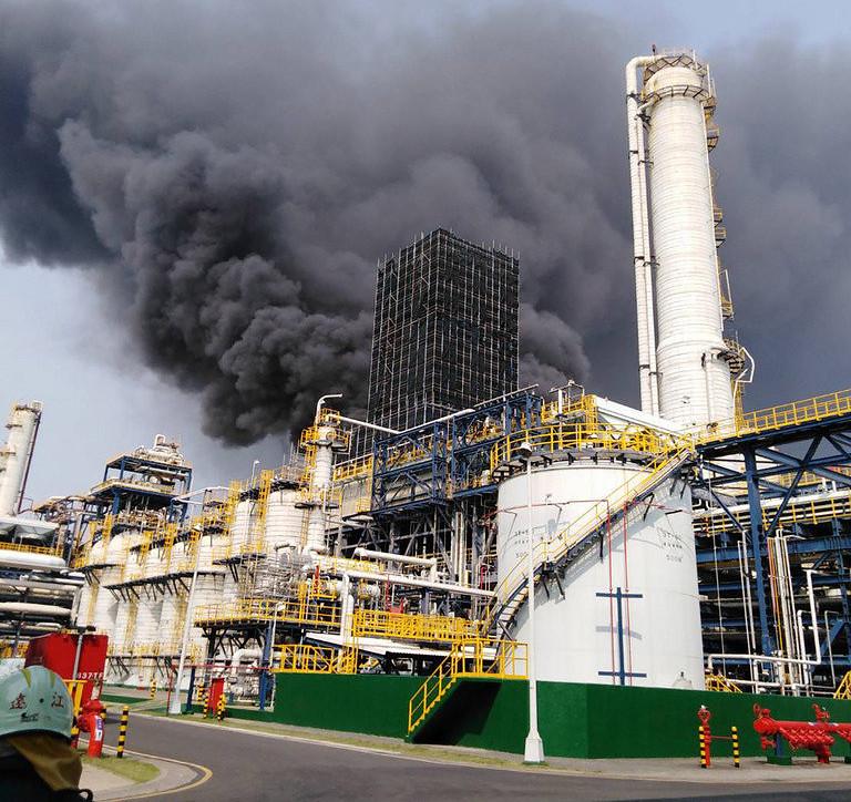 2019年4月7日六輕台化氣爆,環署表示沒有偵測到空品異常。 圖片來源:雲林縣消防局