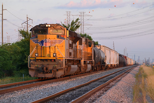 up unionpacific train chemicalplants manifest sd70ace morning sunrise strang laporte tx texas