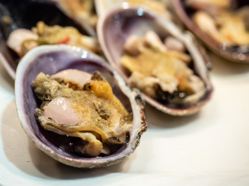 Mussel steamed with garlic at Jogoya Buffet Restaurant at Starhill Gallery, Kuala Lumpur