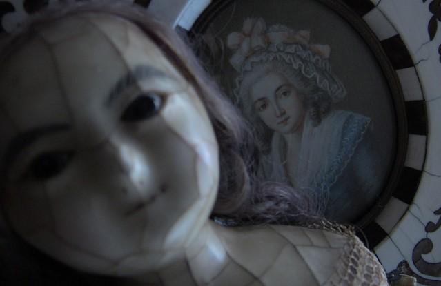 YUELIANG_slit-head wax doll_1820 & antique portrait miniature