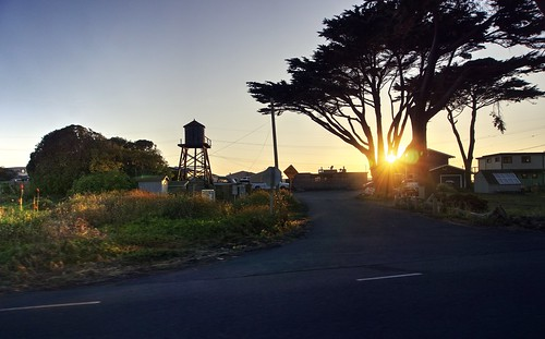bodegabay northerncalifornia california usa town house watertower tower tree road highway1 trip travel ontheroad clear day dusk sunset sun sony a6000 selp1650 1xp raw photomatix hdr qualityhdr qualityhdrphotography cliffave fav100