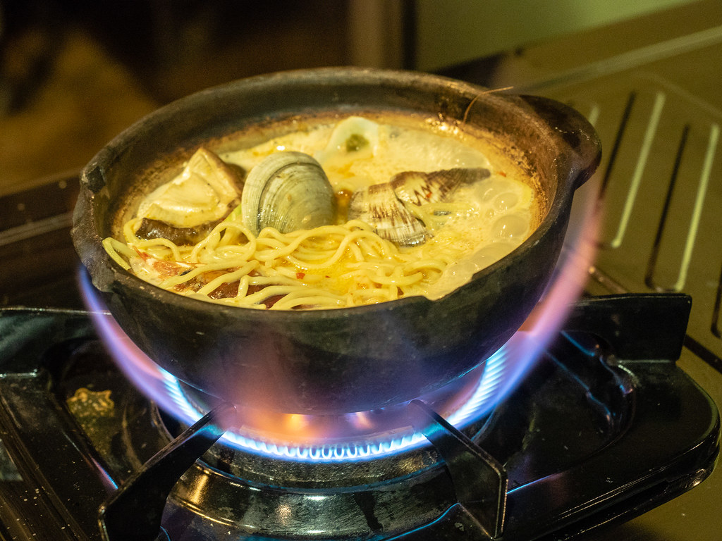 Clay pot Seafood Tom Yum Noodle Soup