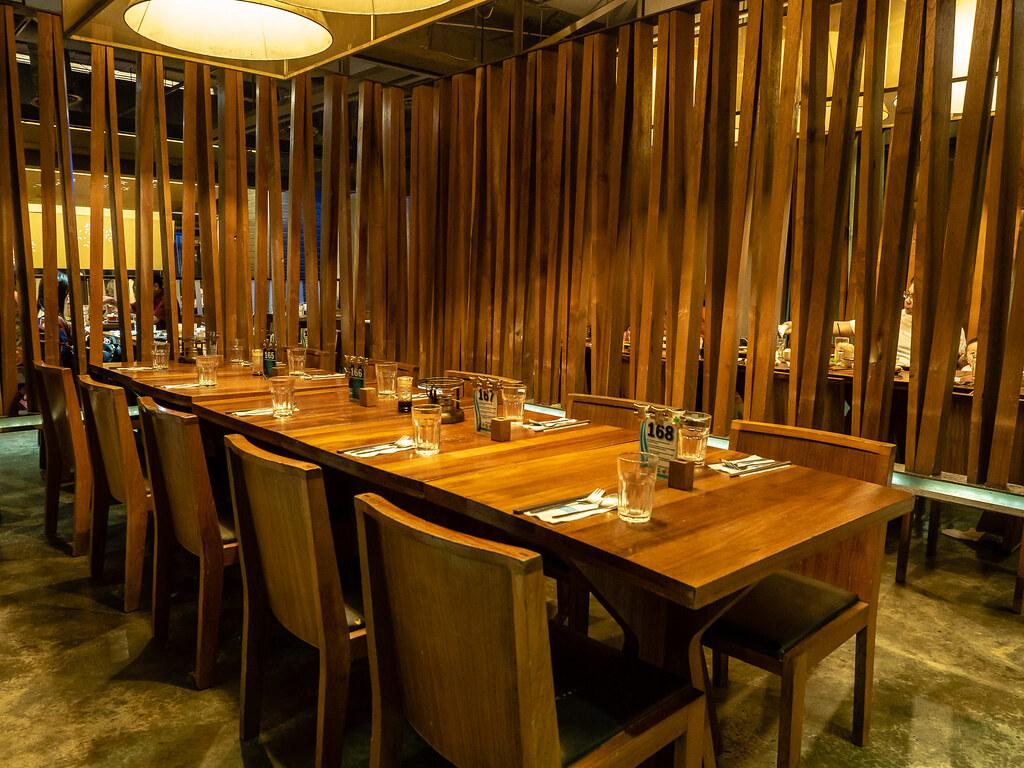 Jogoya Buffet Restaurant wooden long table.