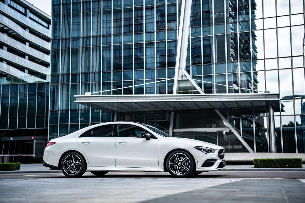 The new CLA採用MFA2底盤打造,創造寬敞的車室空間,營造新世代compact 4-door coupé豪華小型四門轎跑內外兼修的產品特質