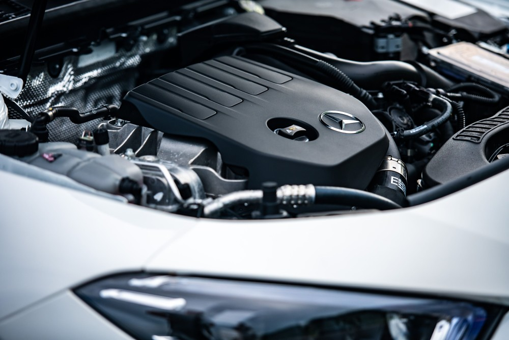 The new CLA採用全新直列四缸渦輪增壓汽油引擎,提供更佳的動力及效能表現