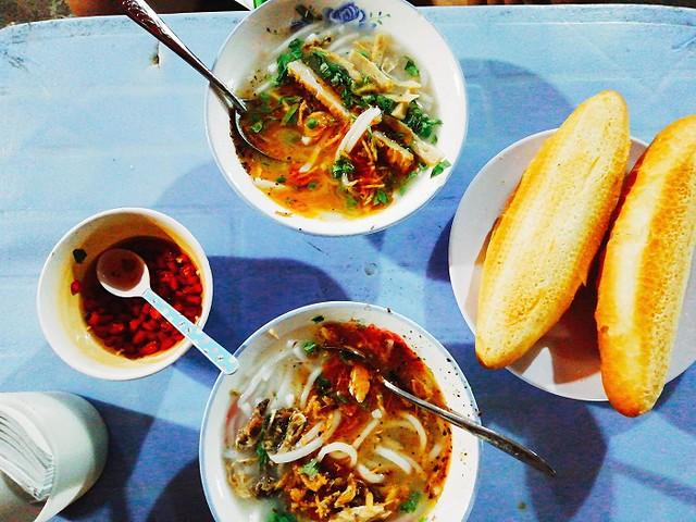 Phượt Đà Nẵng - Top 10 quán bánh canh ăn là thích mê 2