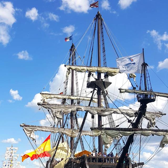 Mai/Juni 2019 ... Karla Kunstwadl mit Margit & Gerhard in der Normandie: Armada von Rouen