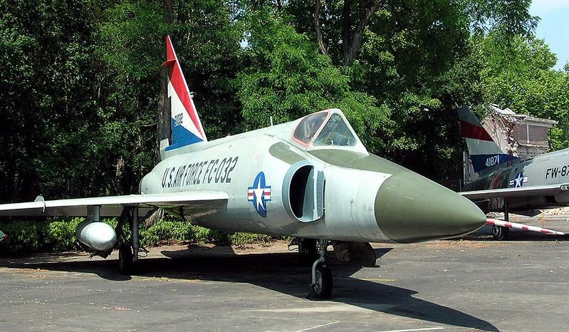 Convair F-102 Delta Dagger 00001