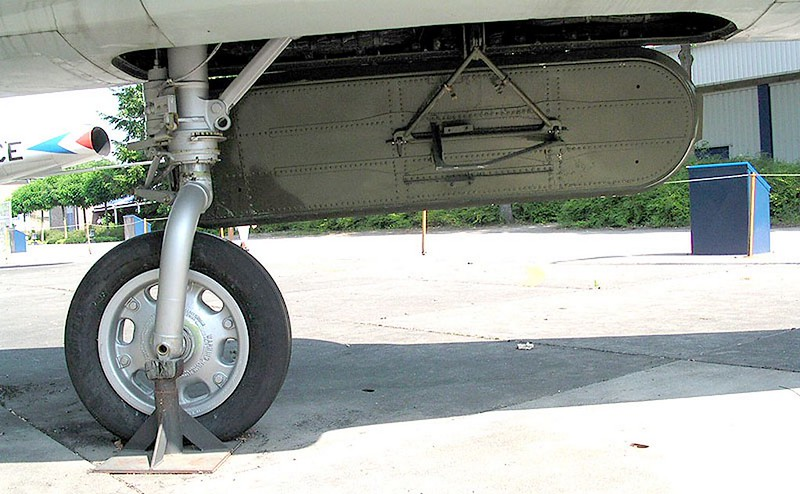 Convair F-102 Delta Dagger 00022