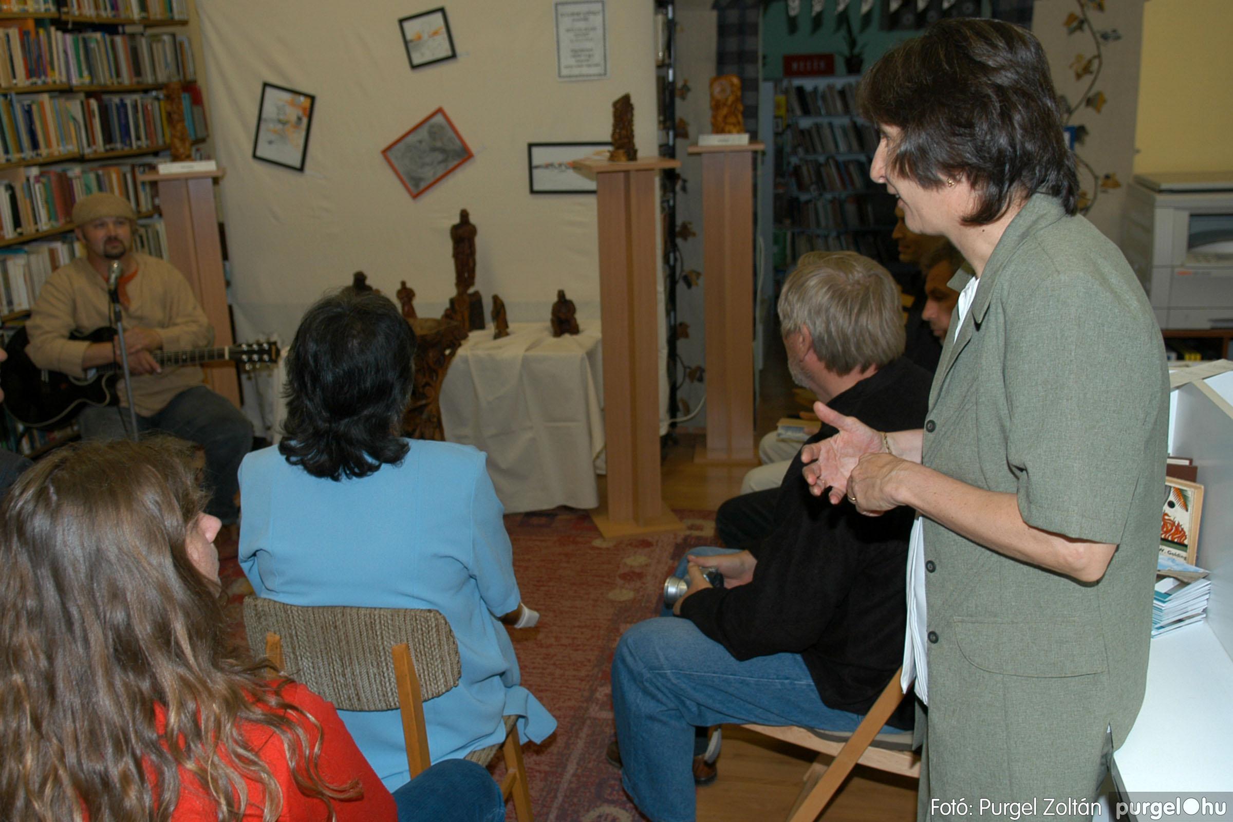 2006.10.08. 004 Kulbert György fafaragó kiállítása - Fotó:PURGEL ZOLTÁN© DSC_0080q.jpg