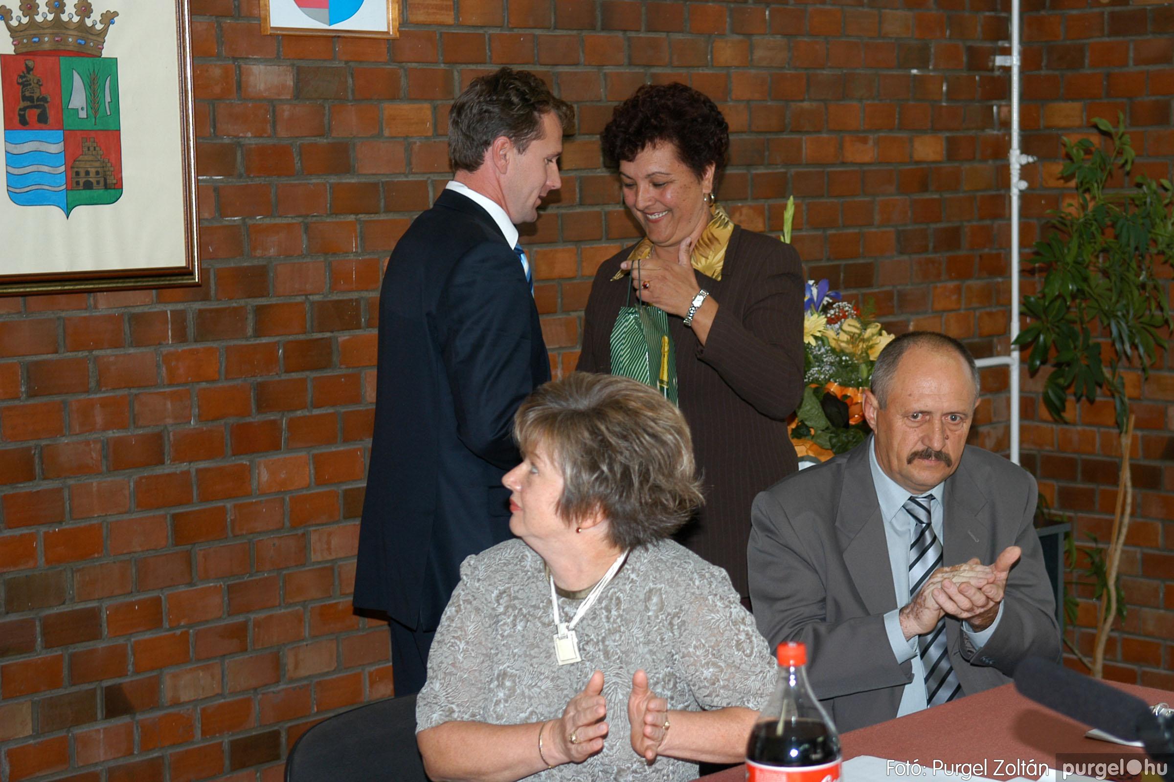 2006.10.12. 056 Képviselő-testület alakuló ülése - Fotó:PURGEL ZOLTÁN© DSC_0183q.jpg