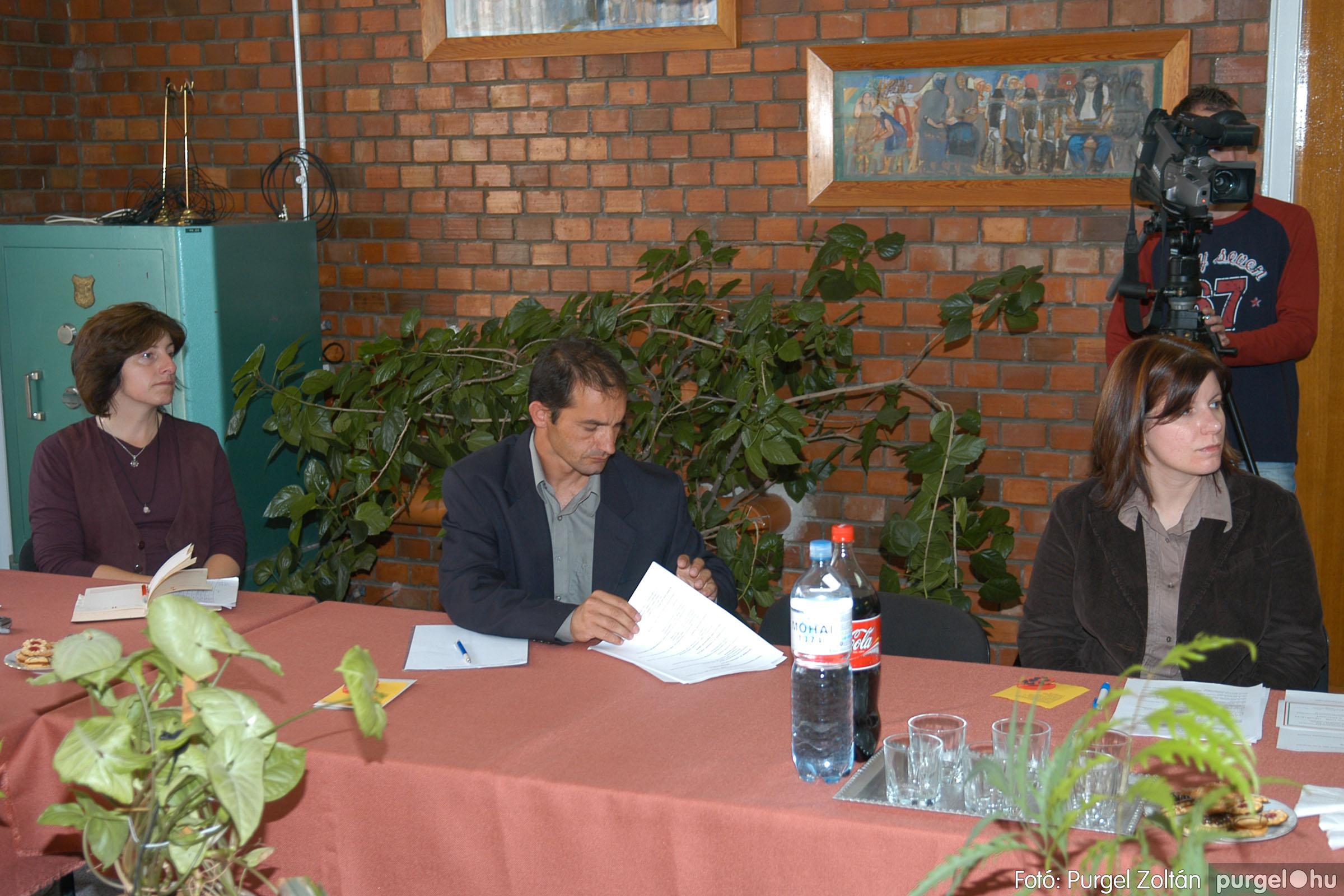 2006.10.12. 041 Képviselő-testület alakuló ülése - Fotó:PURGEL ZOLTÁN© DSC_0168q.jpg