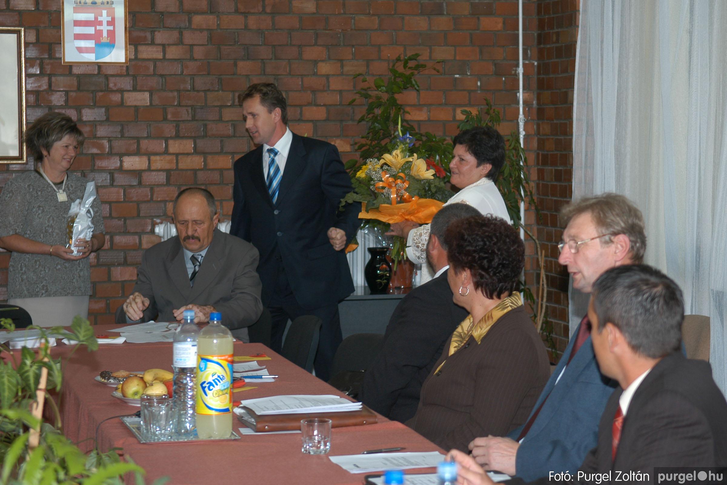 2006.10.12. 028 Képviselő-testület alakuló ülése - Fotó:PURGEL ZOLTÁN© DSC_0154q.jpg
