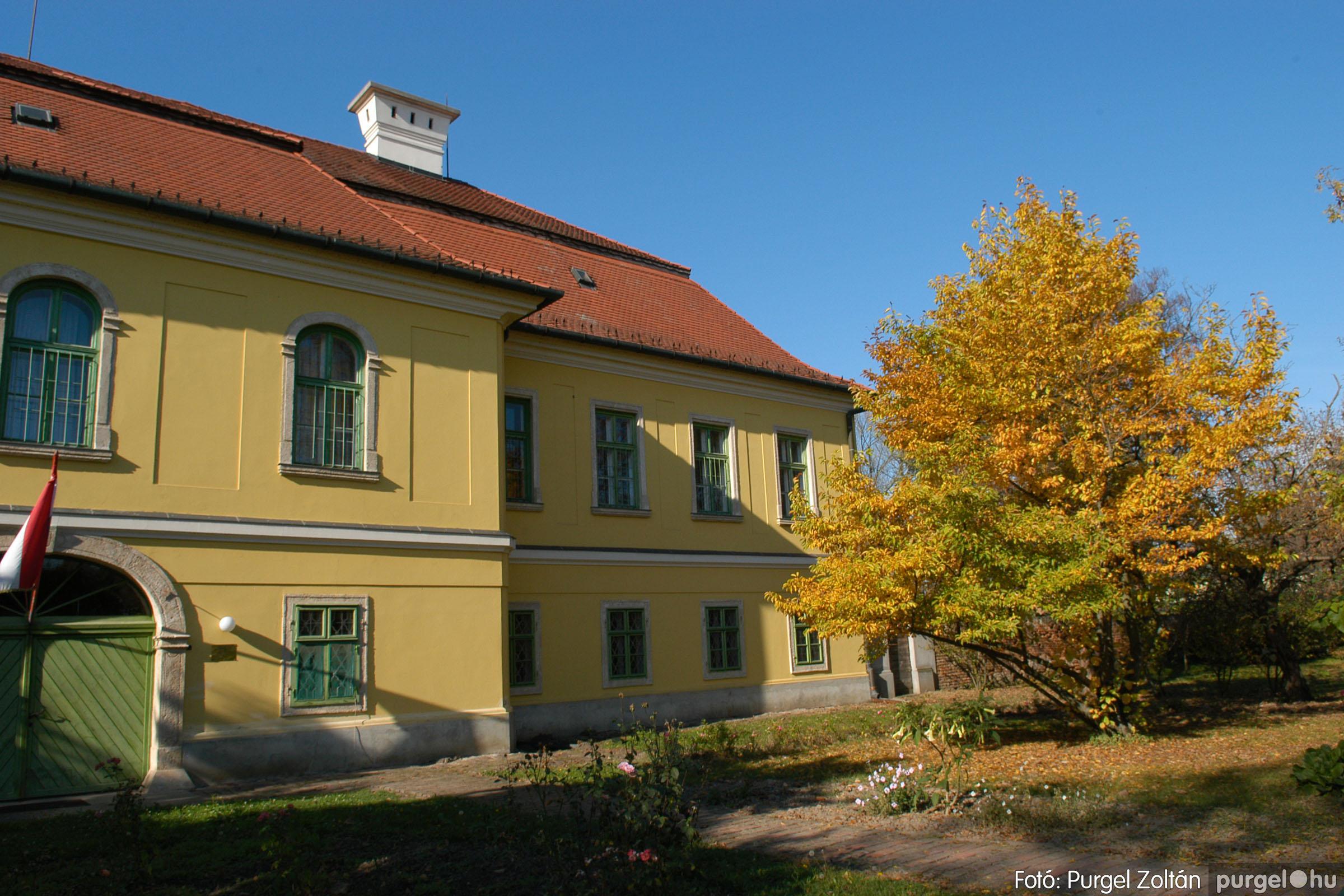 2006.10.28. 002 Ősz a kastély előkertben - Fotó:PURGEL ZOLTÁN© DSC_0060q.jpg