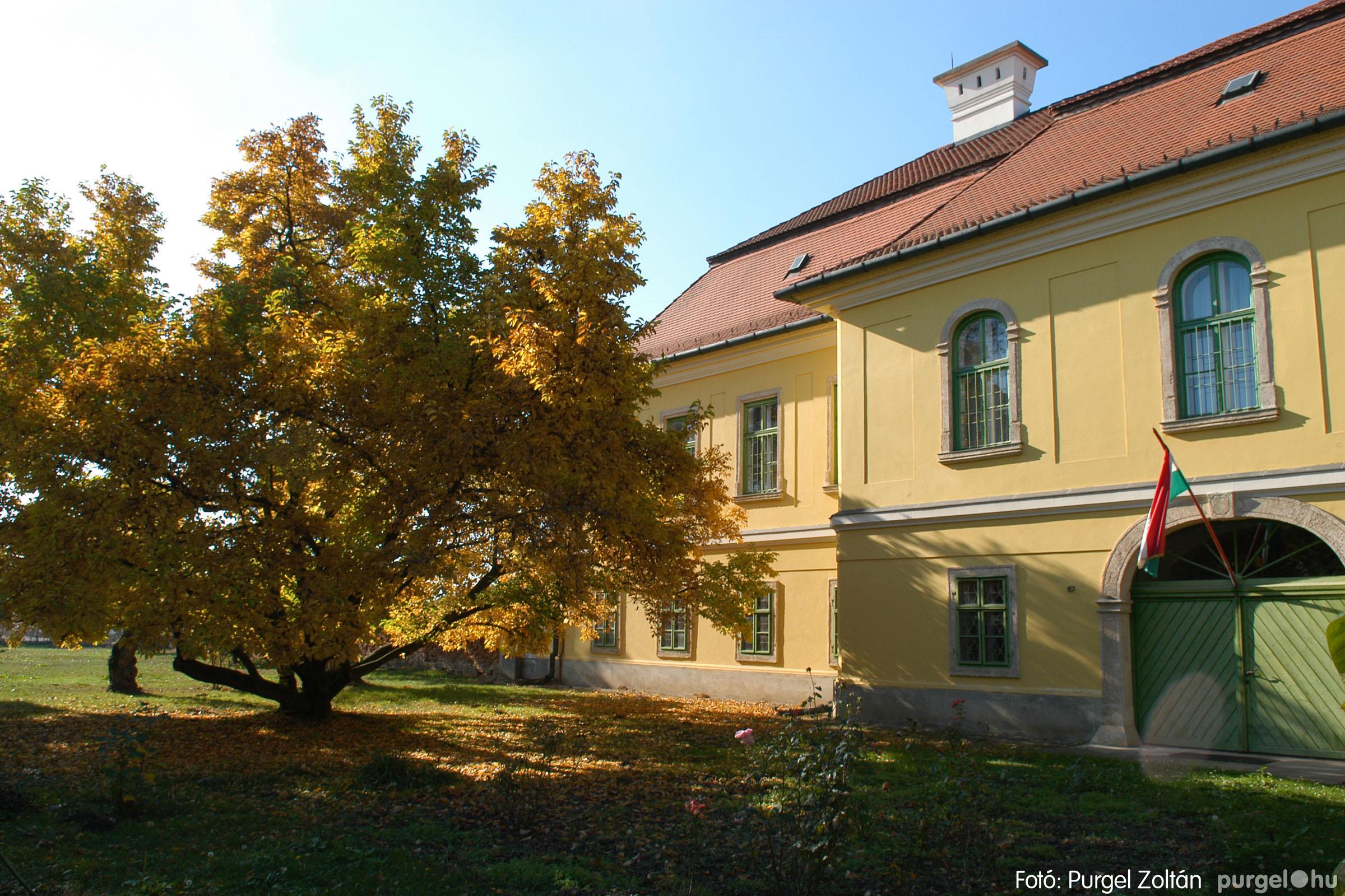 2006.10.28. 001 Ősz a kastély előkertben - Fotó:PURGEL ZOLTÁN© DSC_0059q.jpg