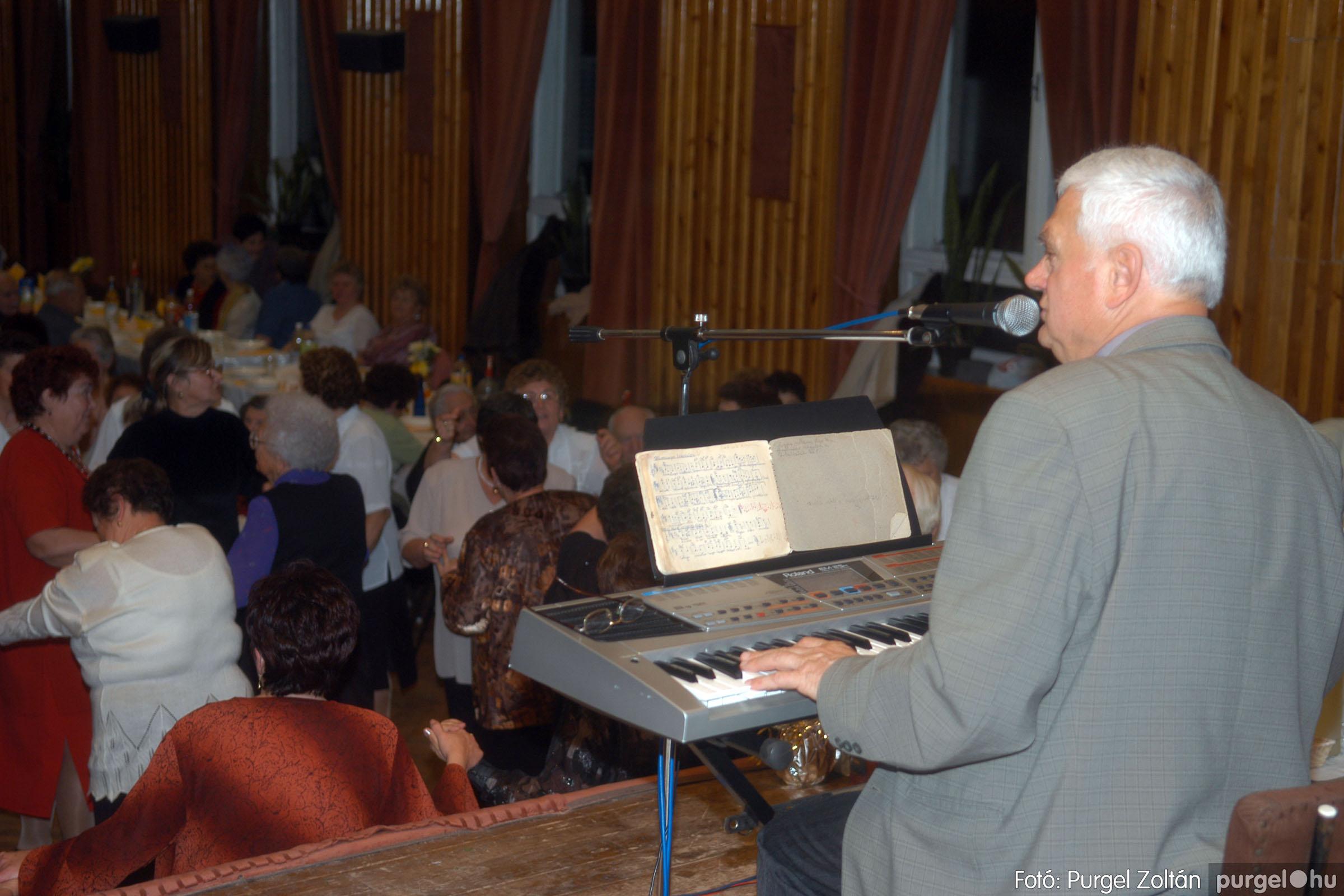 2006.11.25. 043 Szép Öregkor Nyugdíjas Klub bál - Fotó:PURGEL ZOLTÁN© DSC_0348q.jpg