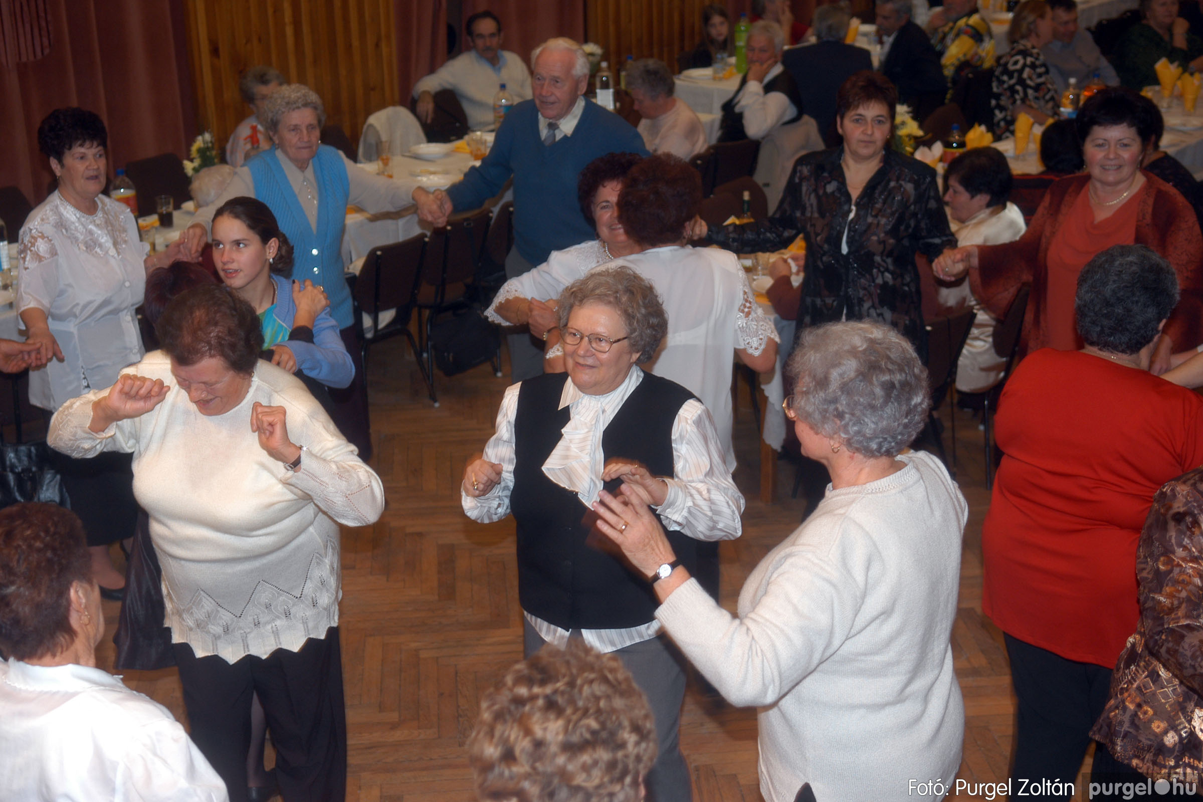 2006.11.25. 041 Szép Öregkor Nyugdíjas Klub bál - Fotó:PURGEL ZOLTÁN© DSC_0346q.jpg
