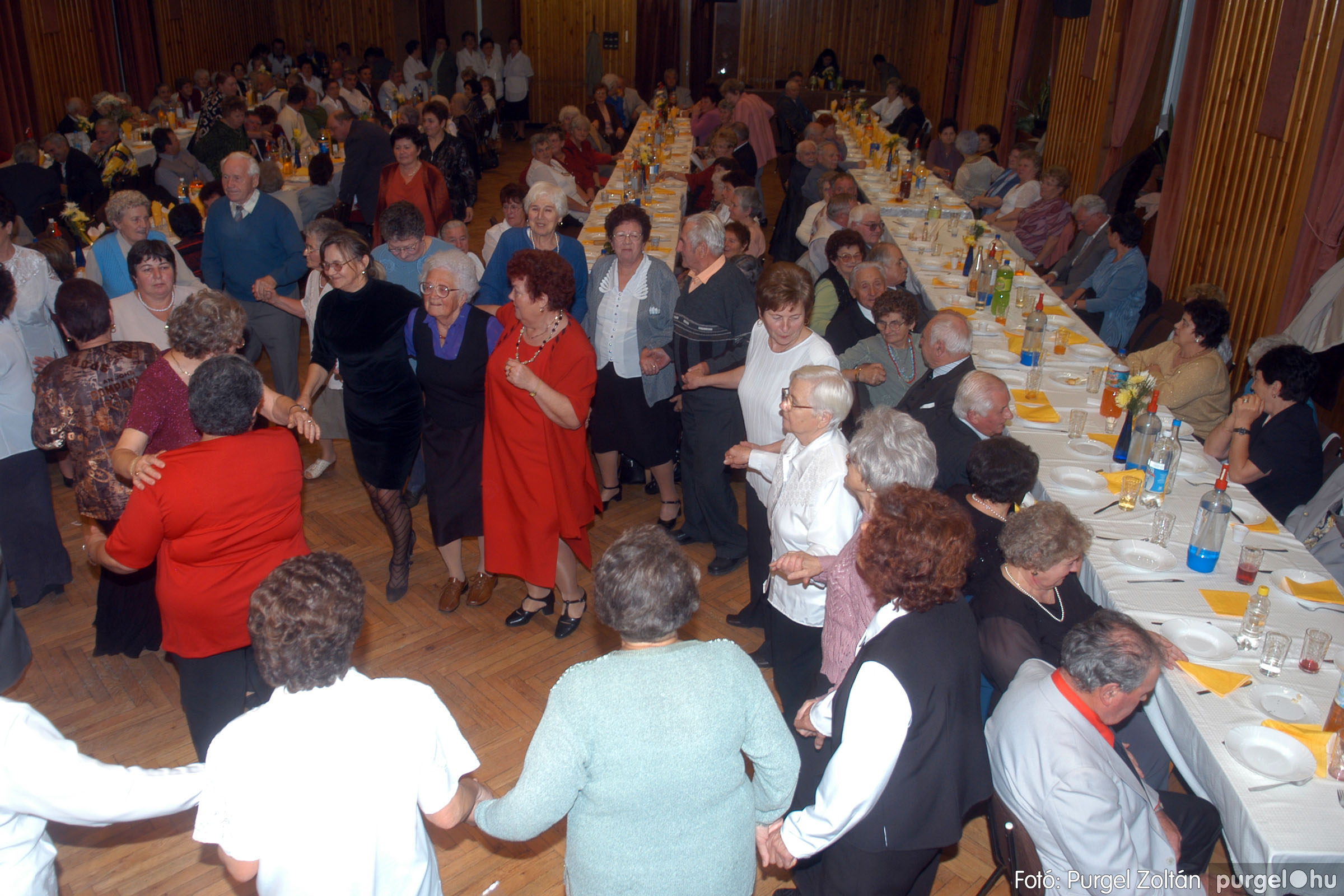 2006.11.25. 038 Szép Öregkor Nyugdíjas Klub bál - Fotó:PURGEL ZOLTÁN© DSC_0343q.jpg