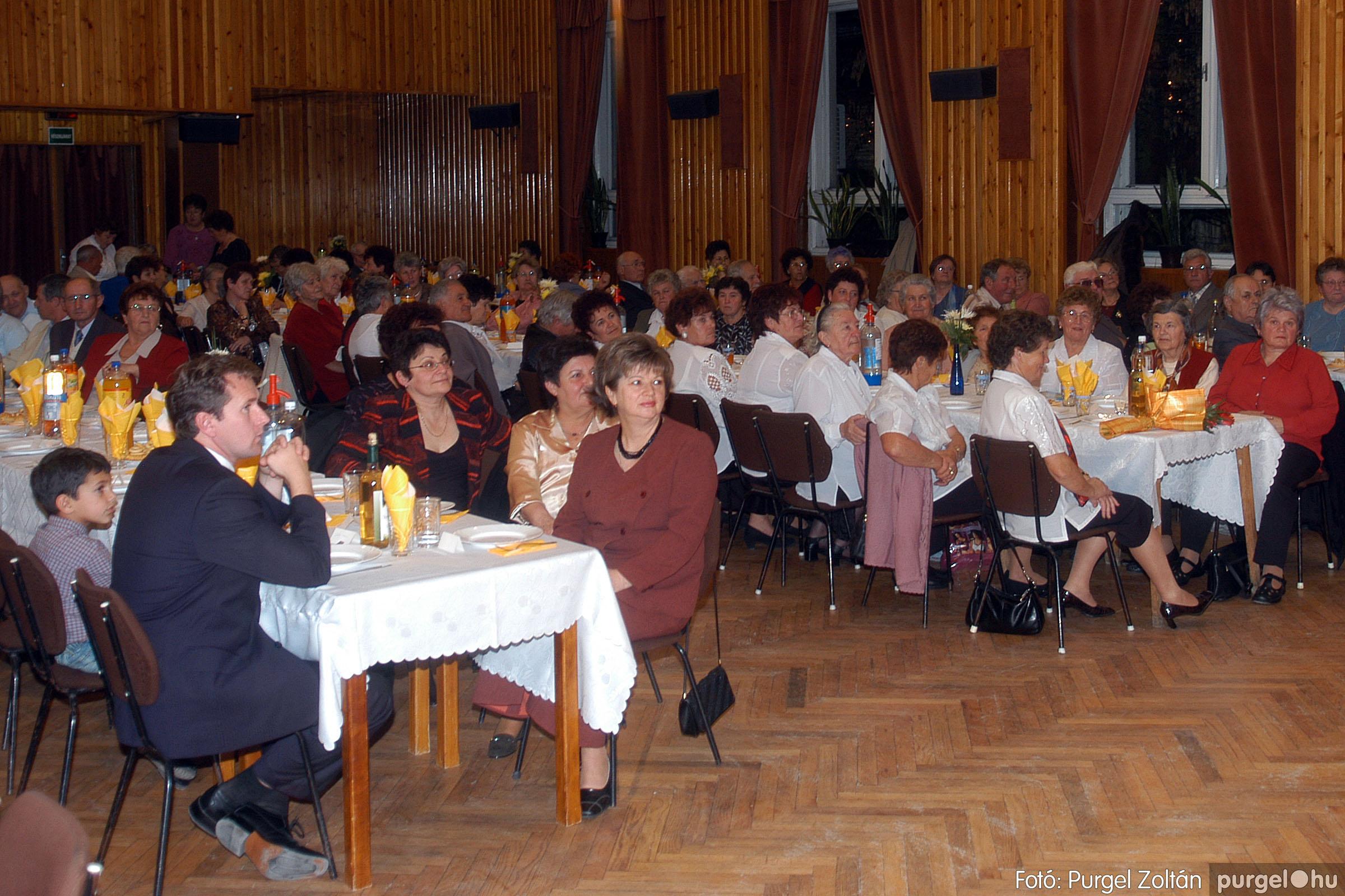 2006.11.25. 001 Szép Öregkor Nyugdíjas Klub bál - Fotó:PURGEL ZOLTÁN© DSC_0304q.jpg