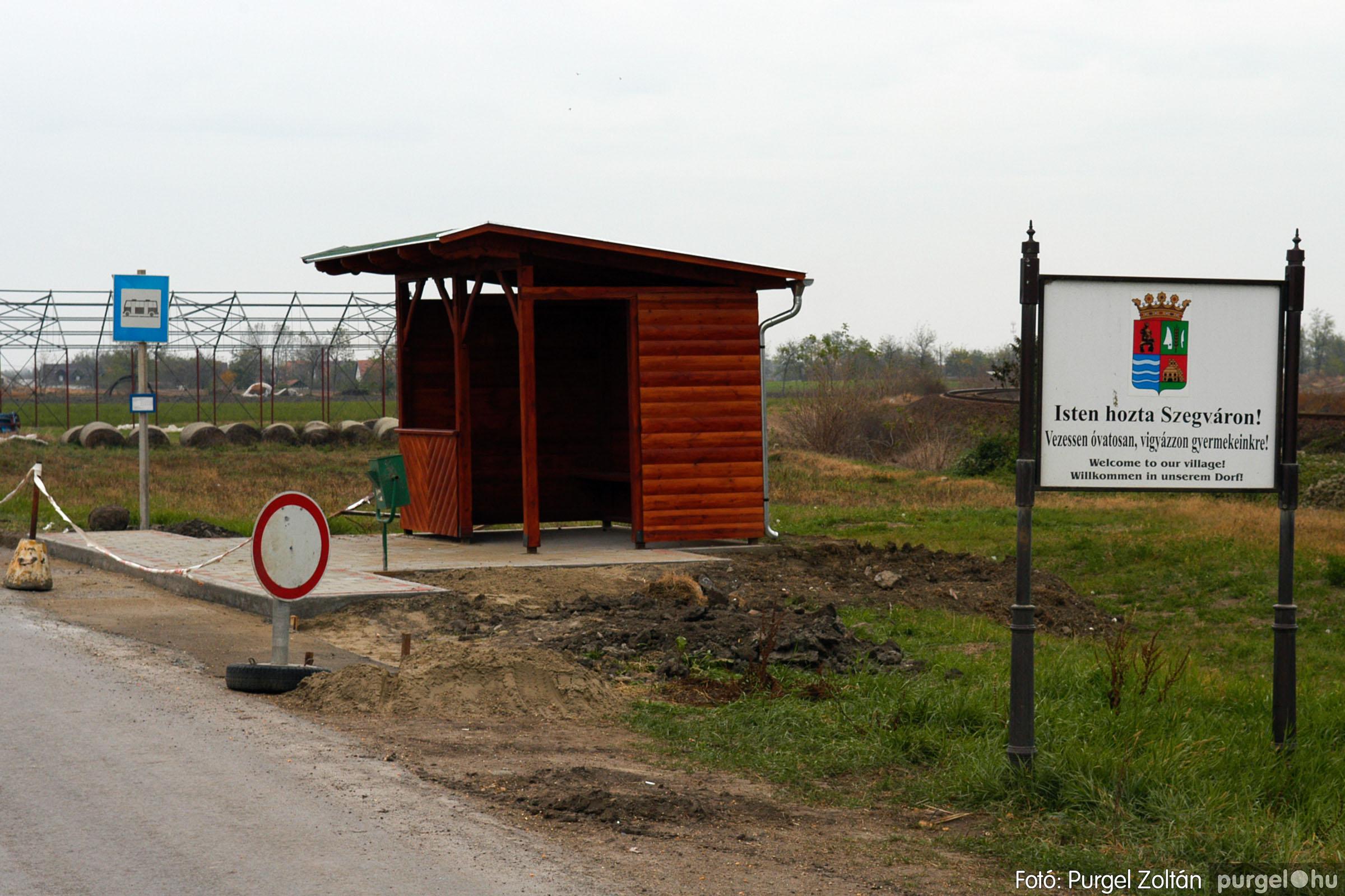 2006.11.01. 005 Autóbusz megállók - Fotó:PURGEL ZOLTÁN© DSC_0008q.jpg