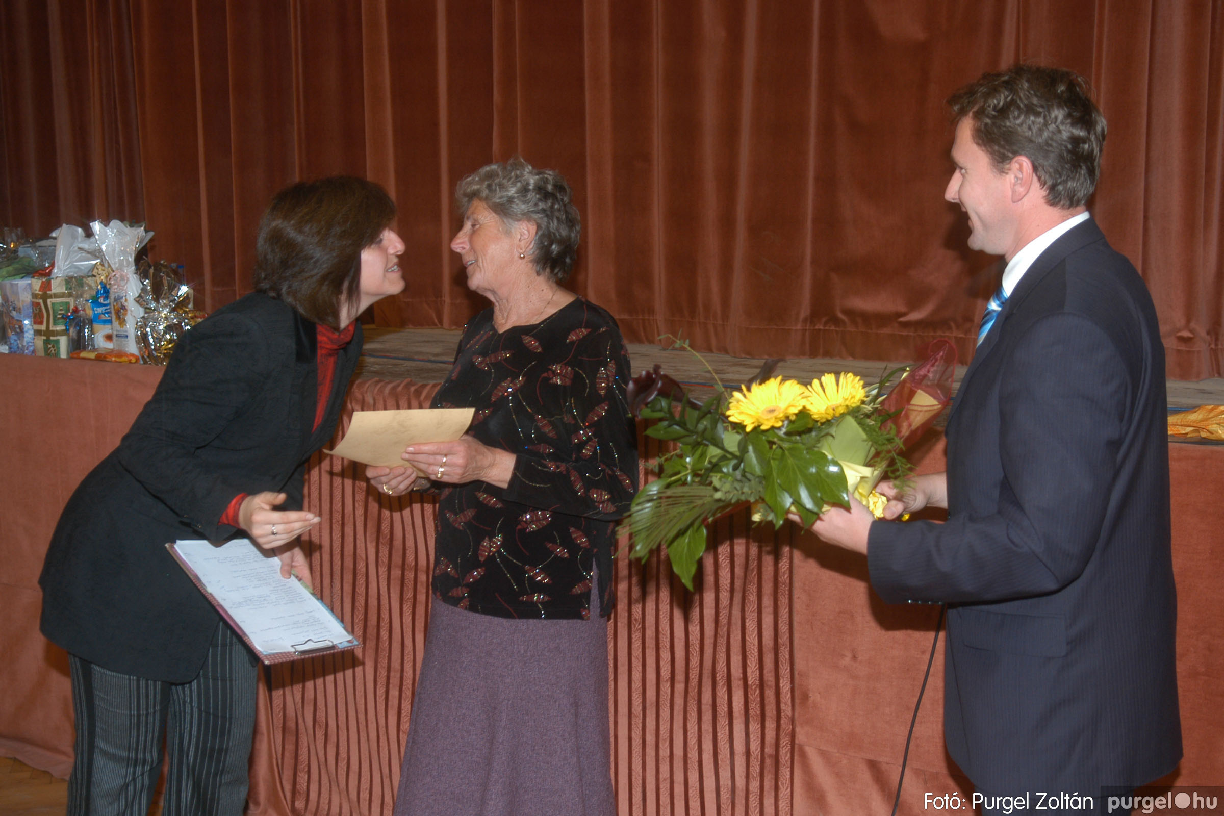 2006.11.25. 034 Szép Öregkor Nyugdíjas Klub bál - Fotó:PURGEL ZOLTÁN© DSC_0339q.jpg