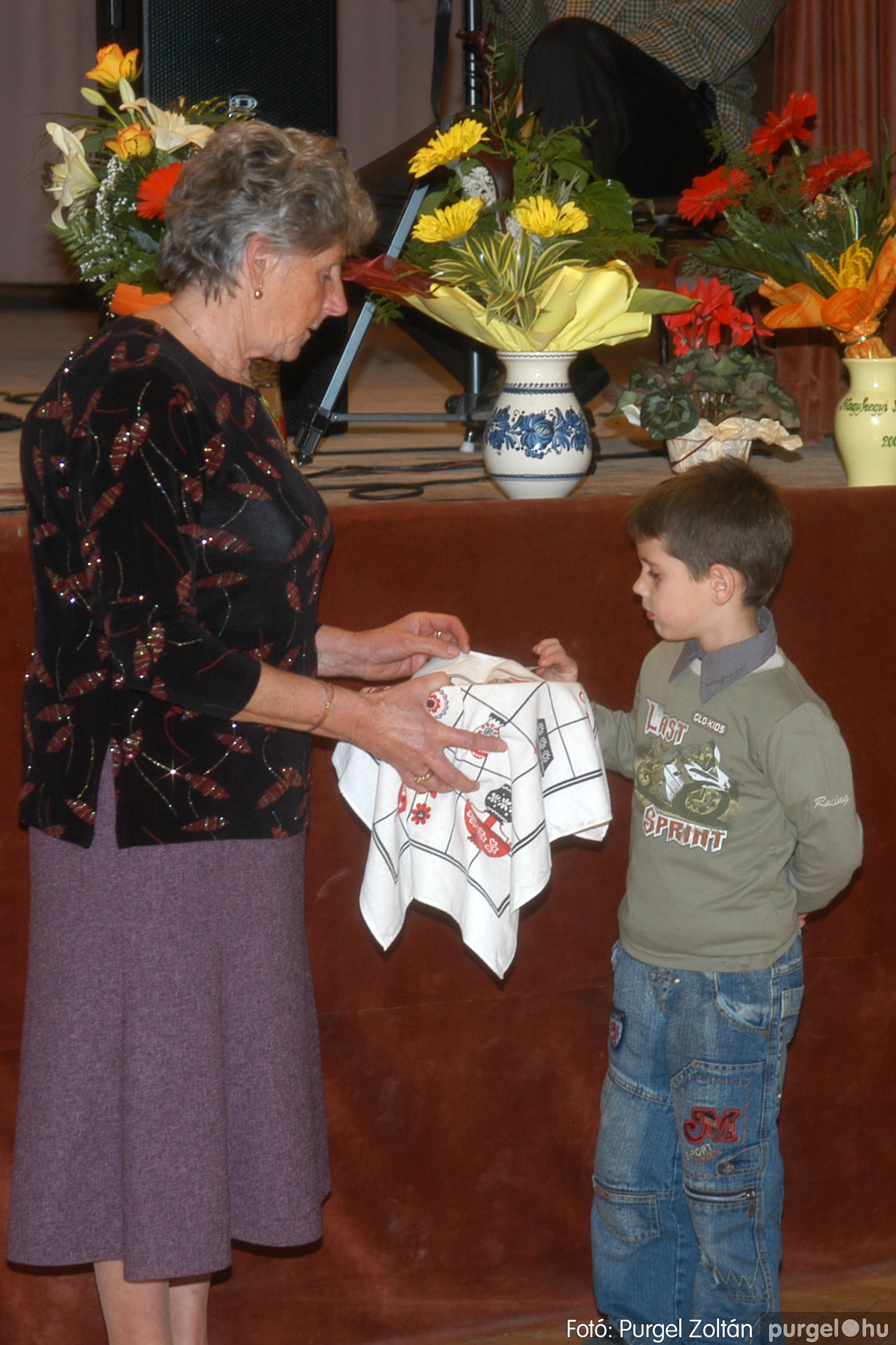 2006.11.25. 044 Szép Öregkor Nyugdíjas Klub bál - Fotó:PURGEL ZOLTÁN© DSC_0349q.jpg