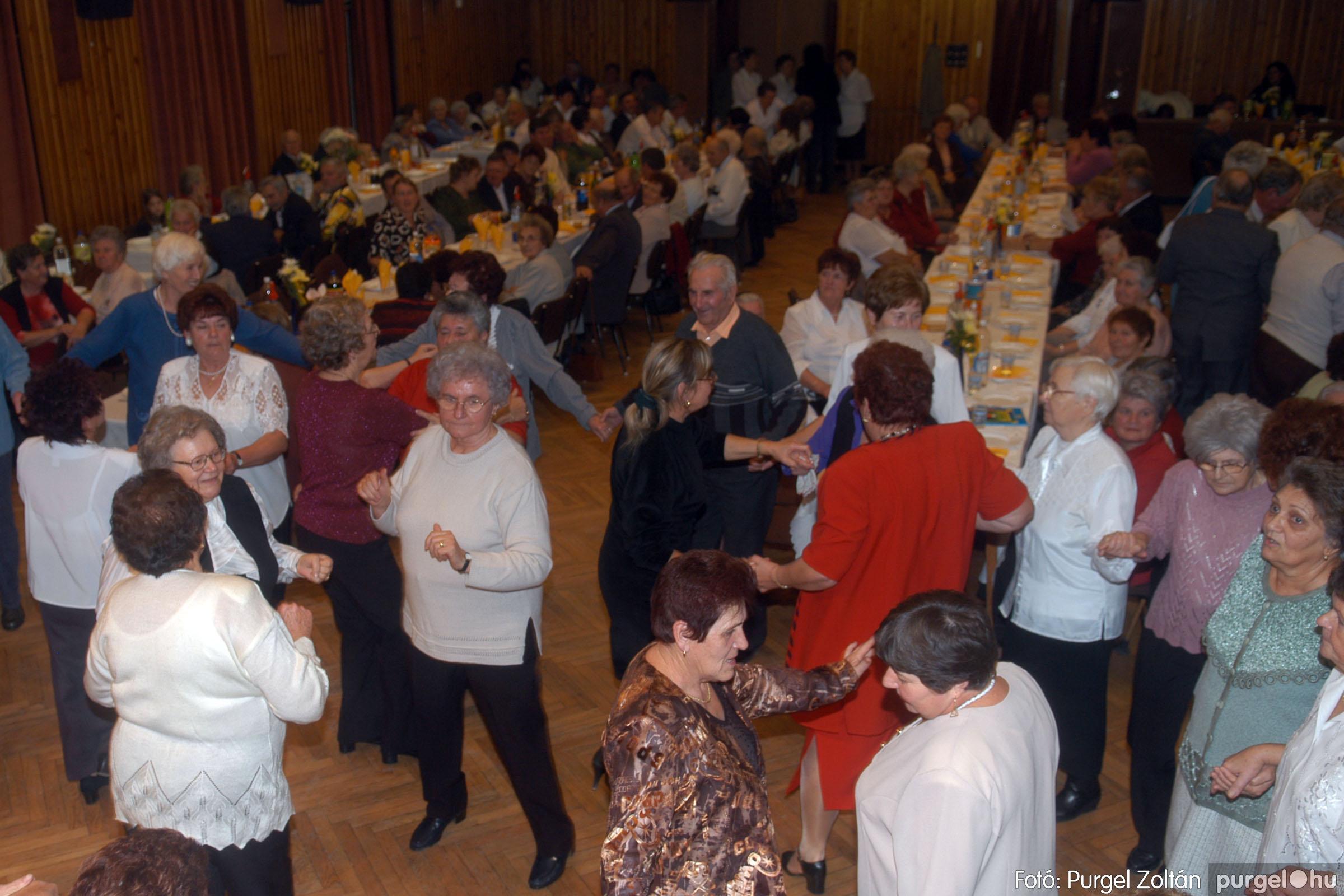 2006.11.25. 042 Szép Öregkor Nyugdíjas Klub bál - Fotó:PURGEL ZOLTÁN© DSC_0347q.jpg