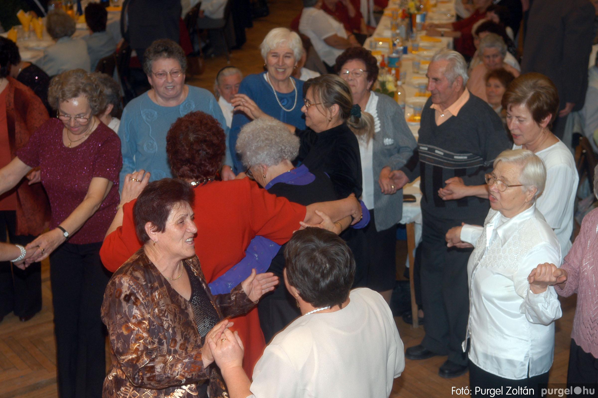 2006.11.25. 040 Szép Öregkor Nyugdíjas Klub bál - Fotó:PURGEL ZOLTÁN© DSC_0345q.jpg