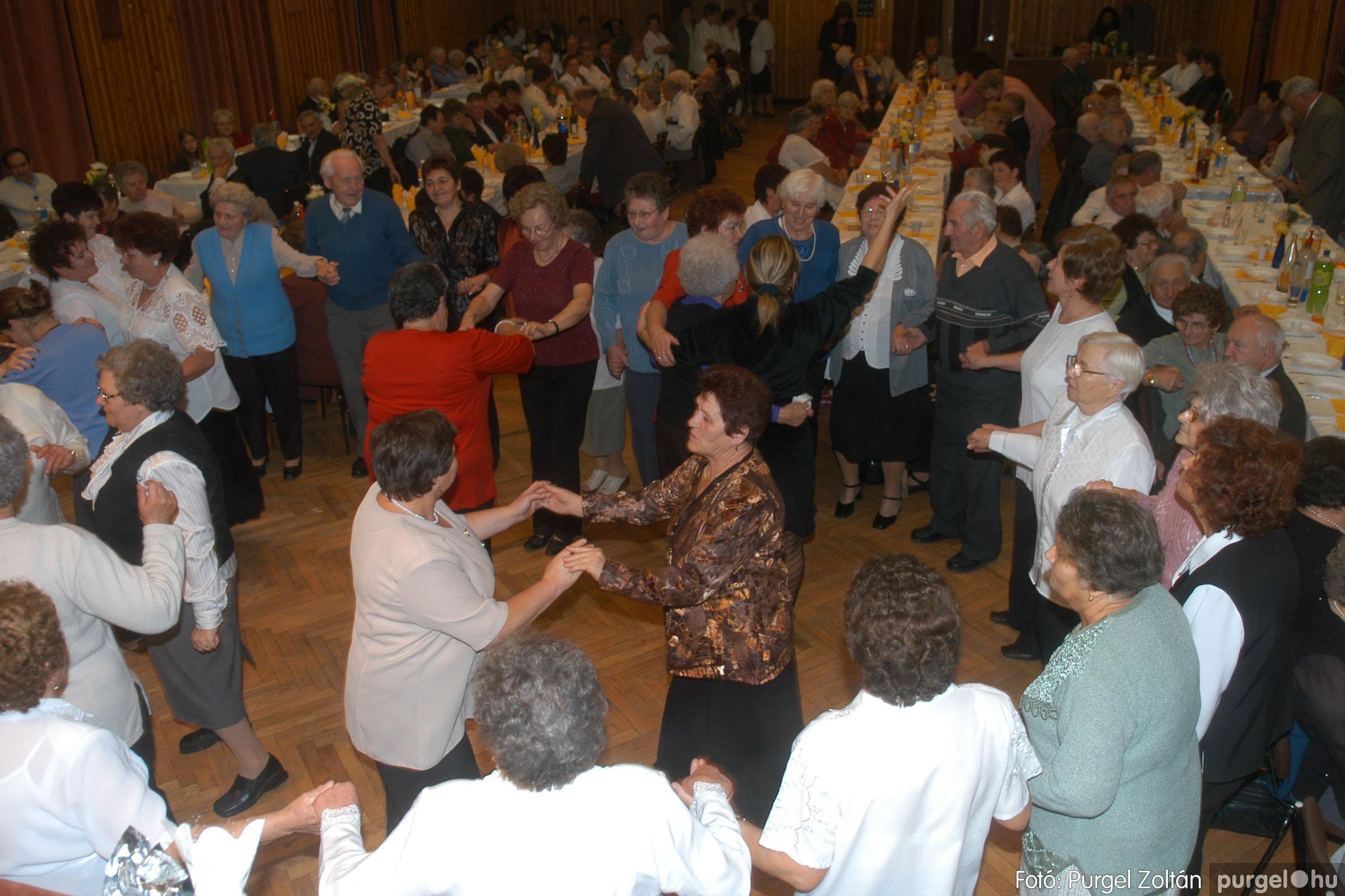 2006.11.25. 039 Szép Öregkor Nyugdíjas Klub bál - Fotó:PURGEL ZOLTÁN© DSC_0344q.jpg