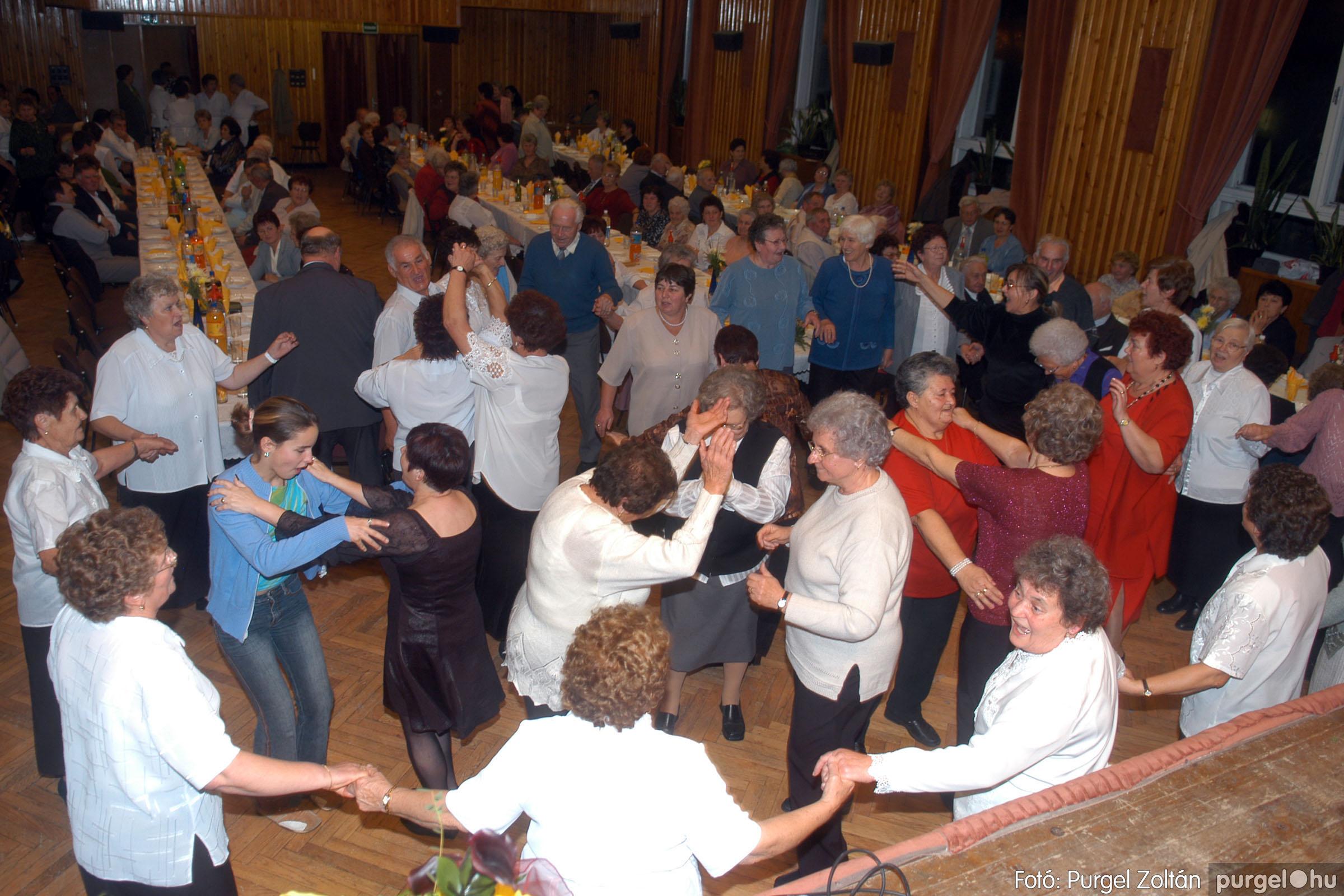 2006.11.25. 037 Szép Öregkor Nyugdíjas Klub bál - Fotó:PURGEL ZOLTÁN© DSC_0342q.jpg