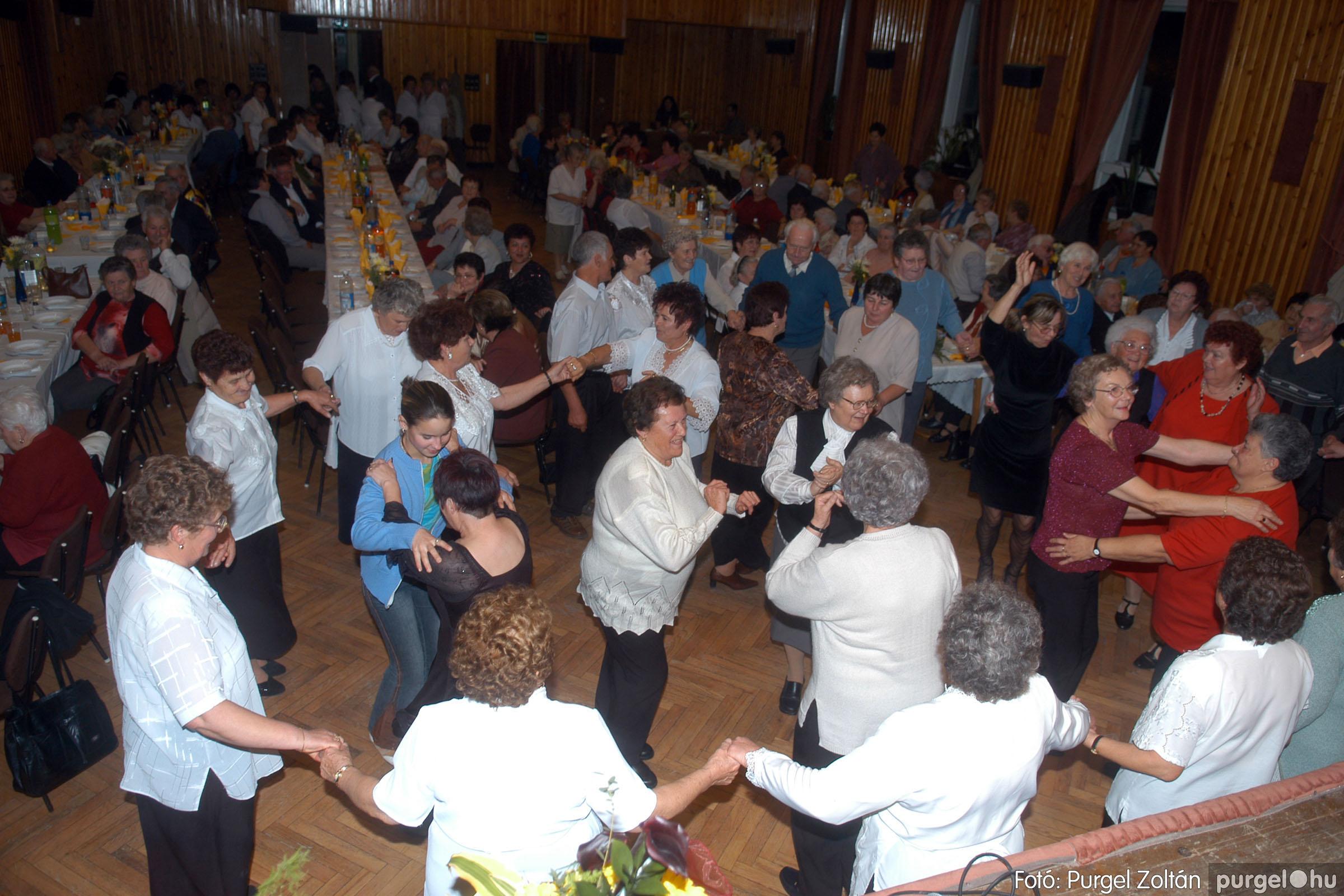 2006.11.25. 036 Szép Öregkor Nyugdíjas Klub bál - Fotó:PURGEL ZOLTÁN© DSC_0341q.jpg