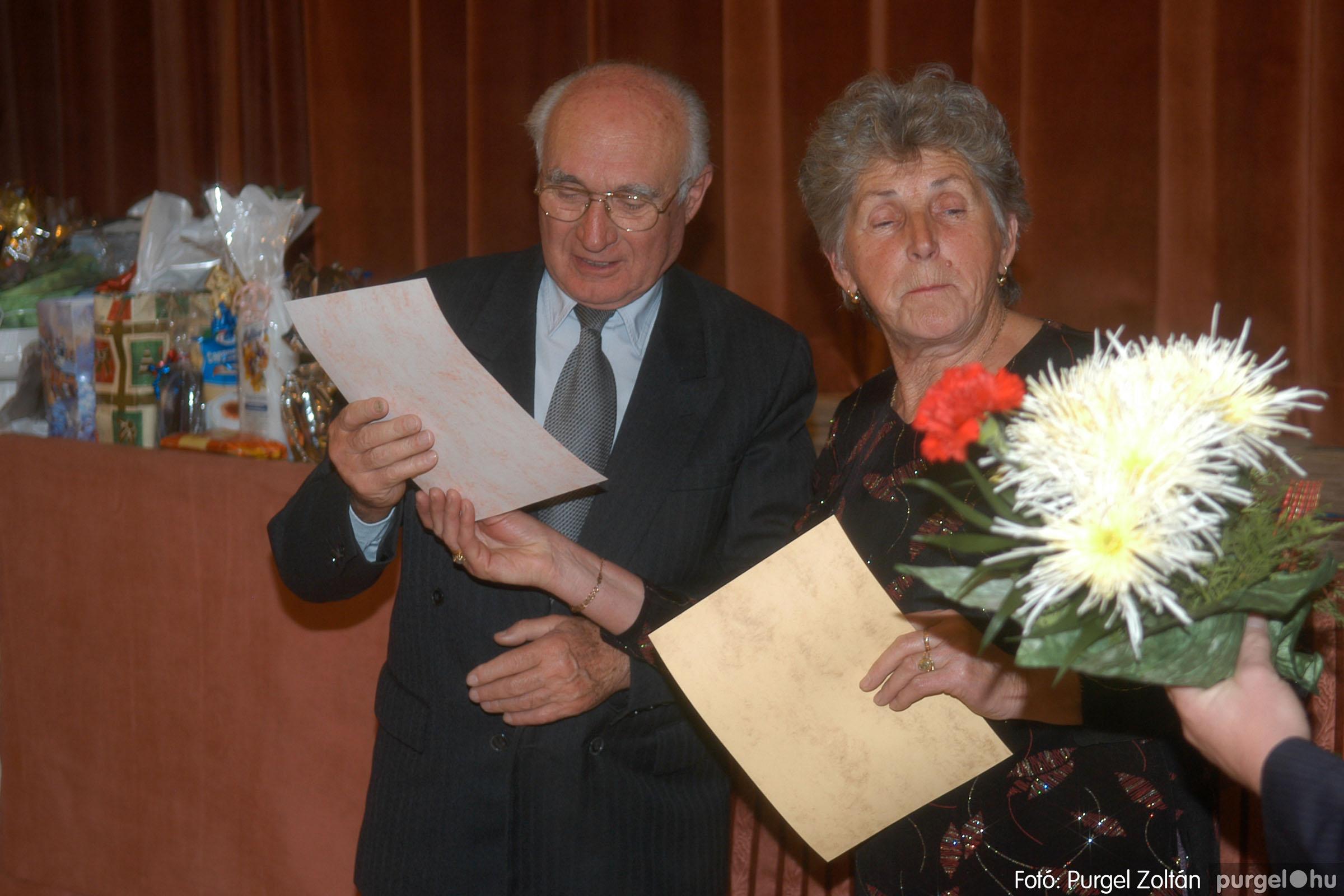 2006.11.25. 031 Szép Öregkor Nyugdíjas Klub bál - Fotó:PURGEL ZOLTÁN© DSC_0336q.jpg